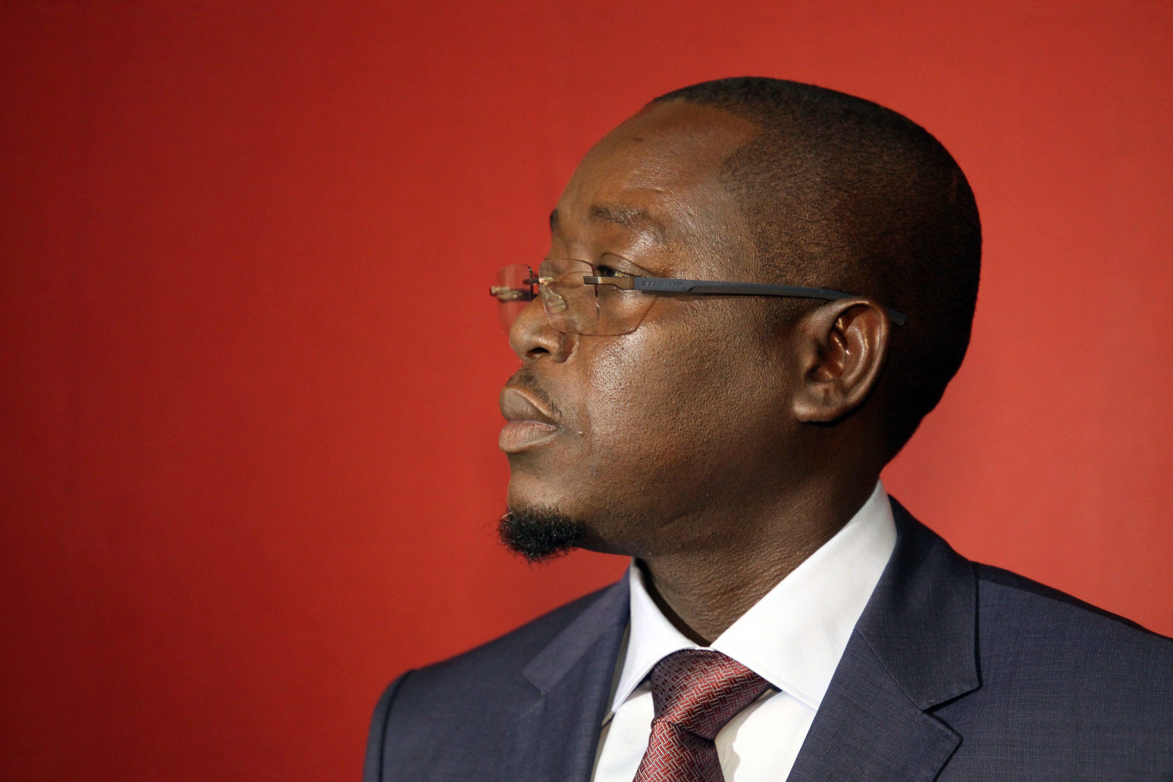 """Governo guineense demitido reúne """"conselho de ministros"""" e reafirma-se como órgão legítimo"""