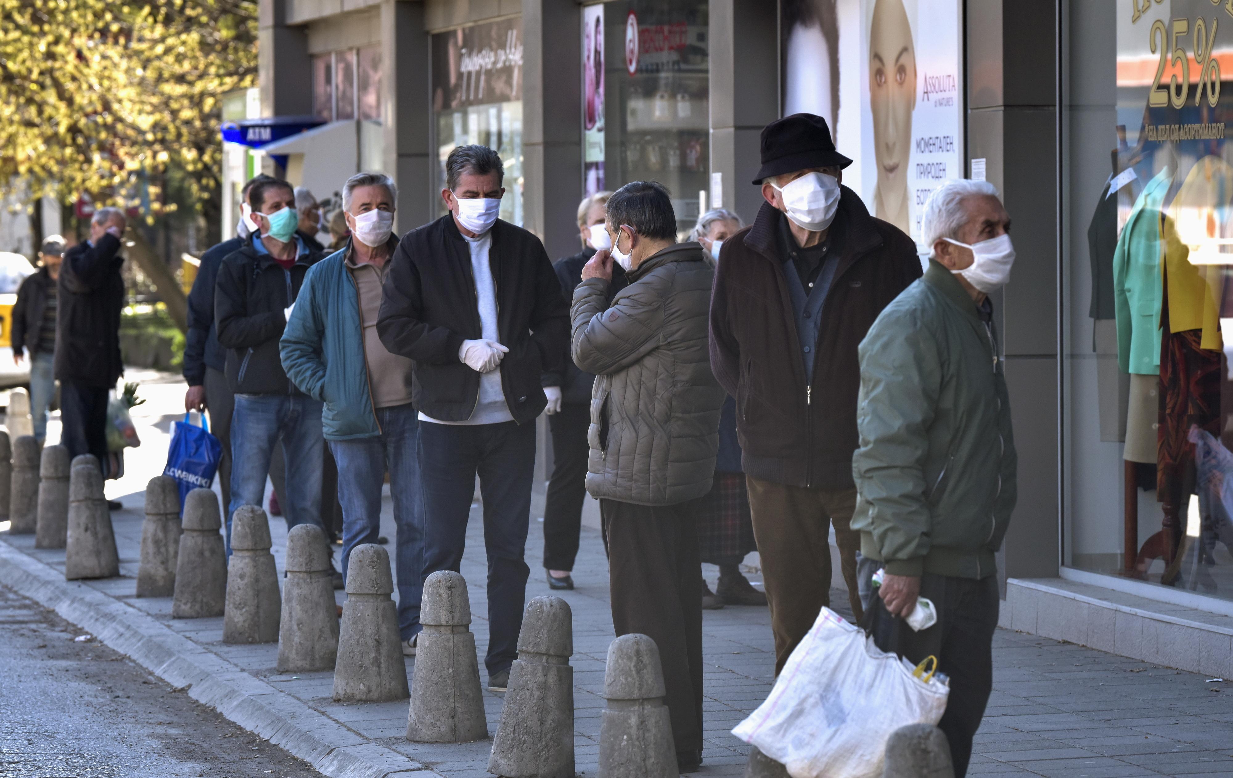 OMS recomenda avaliação de riscos antes de decisão sobre uso generalizado de máscaras