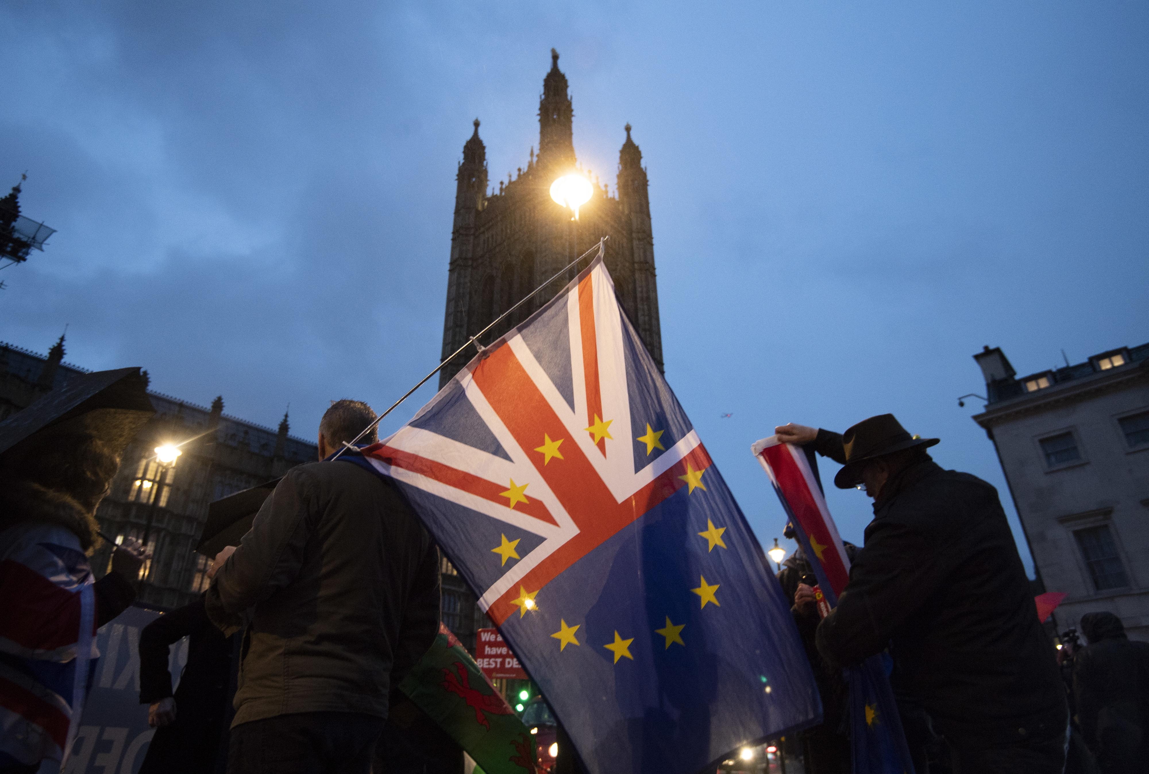 Novo referendo atrasaria processo e demoraria cinco meses a preparar - académicos