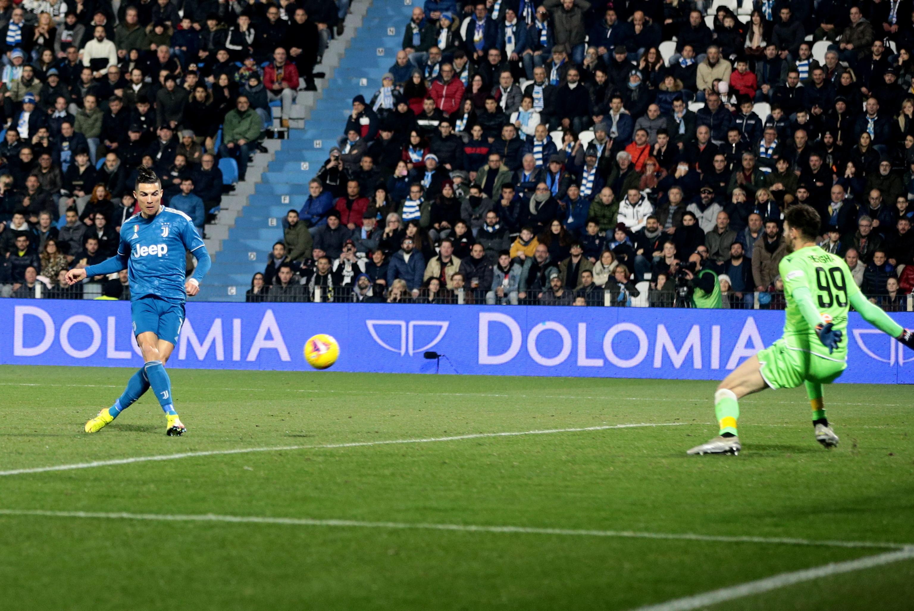 Cristiano Ronaldo continua a marcar e abre caminho a vitória da 'Juve'