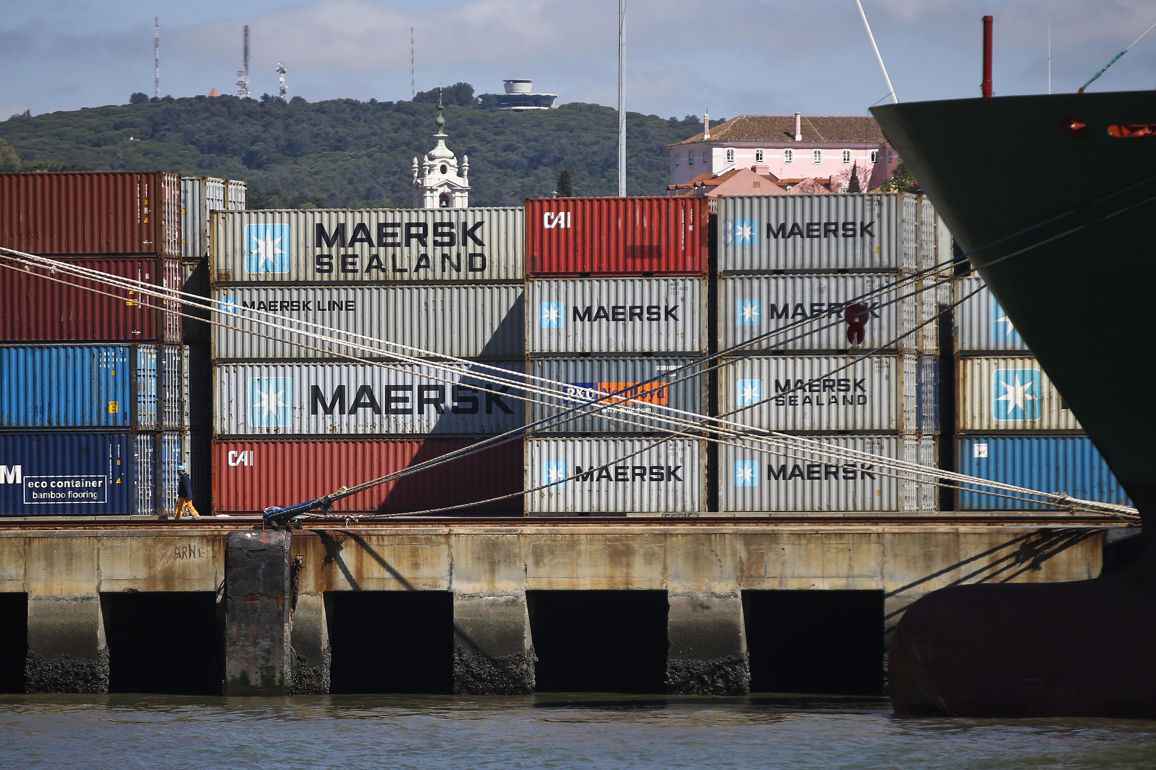 Saldo comercial com PALOP piorou 26% em 2015 mas é favorável a Portugal em 1,6 mil milhões