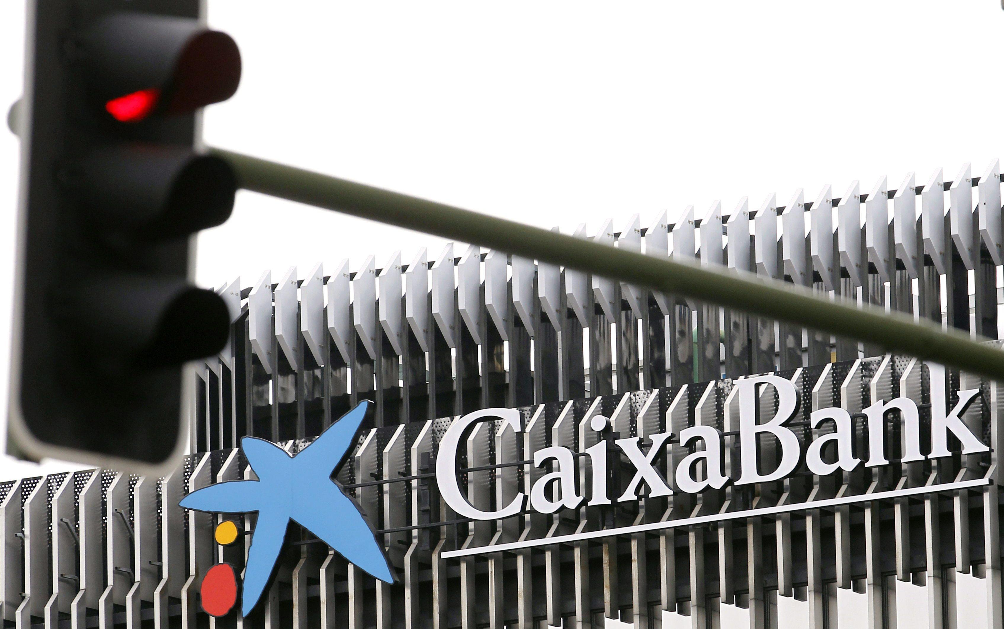 Pequenos acionistas avançam com ações judiciais se CaixaBank não subir preço da OPA