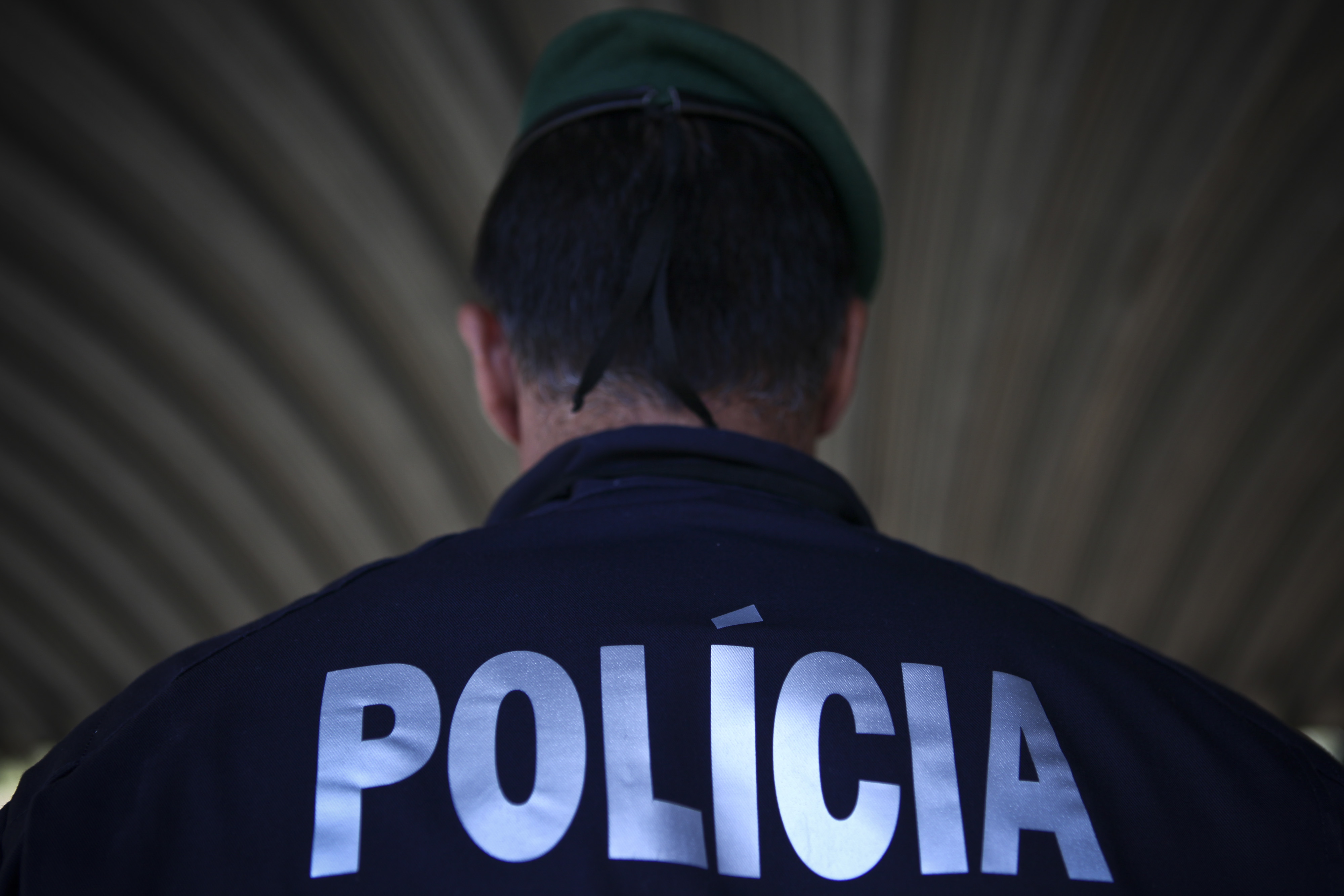 """PSP disparou projéteis de borracha """"para o ar"""" em resposta a desacatos em Lisboa"""