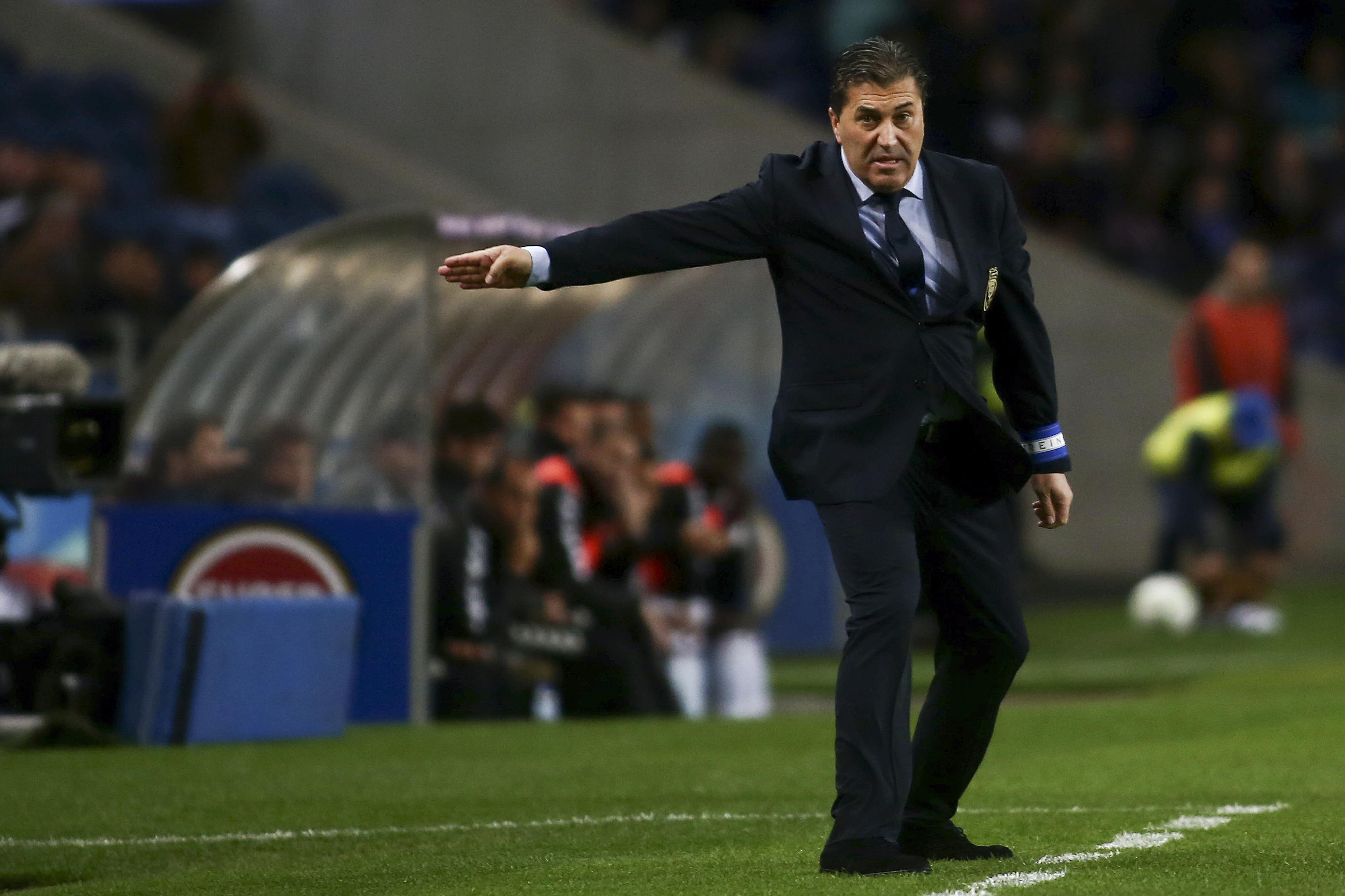 José Peseiro considera que erros dos árbitros tiraram FC Porto da corrida ao título