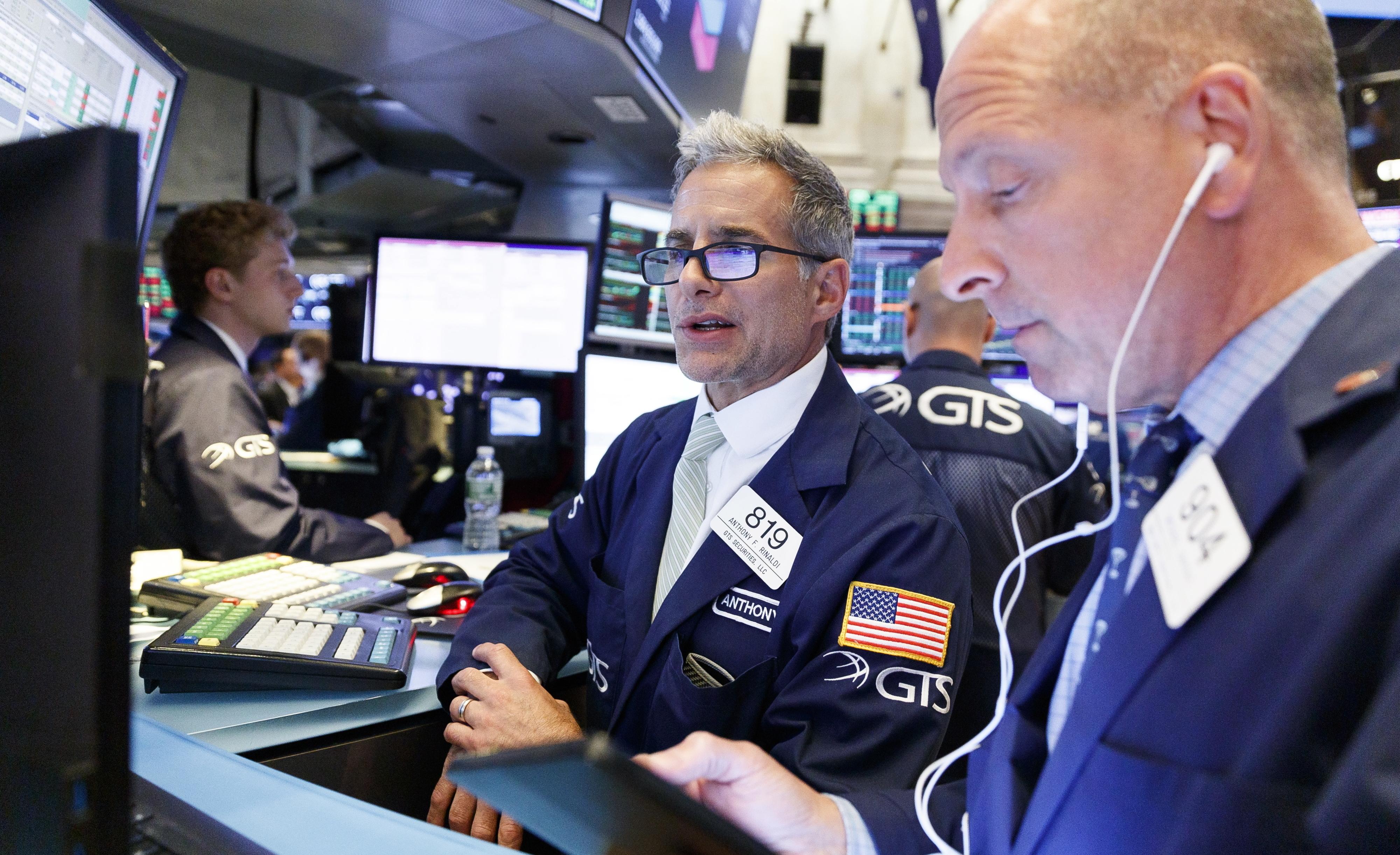 Wall Street fecha em baixa depois de Trump comentar as negociações com a China