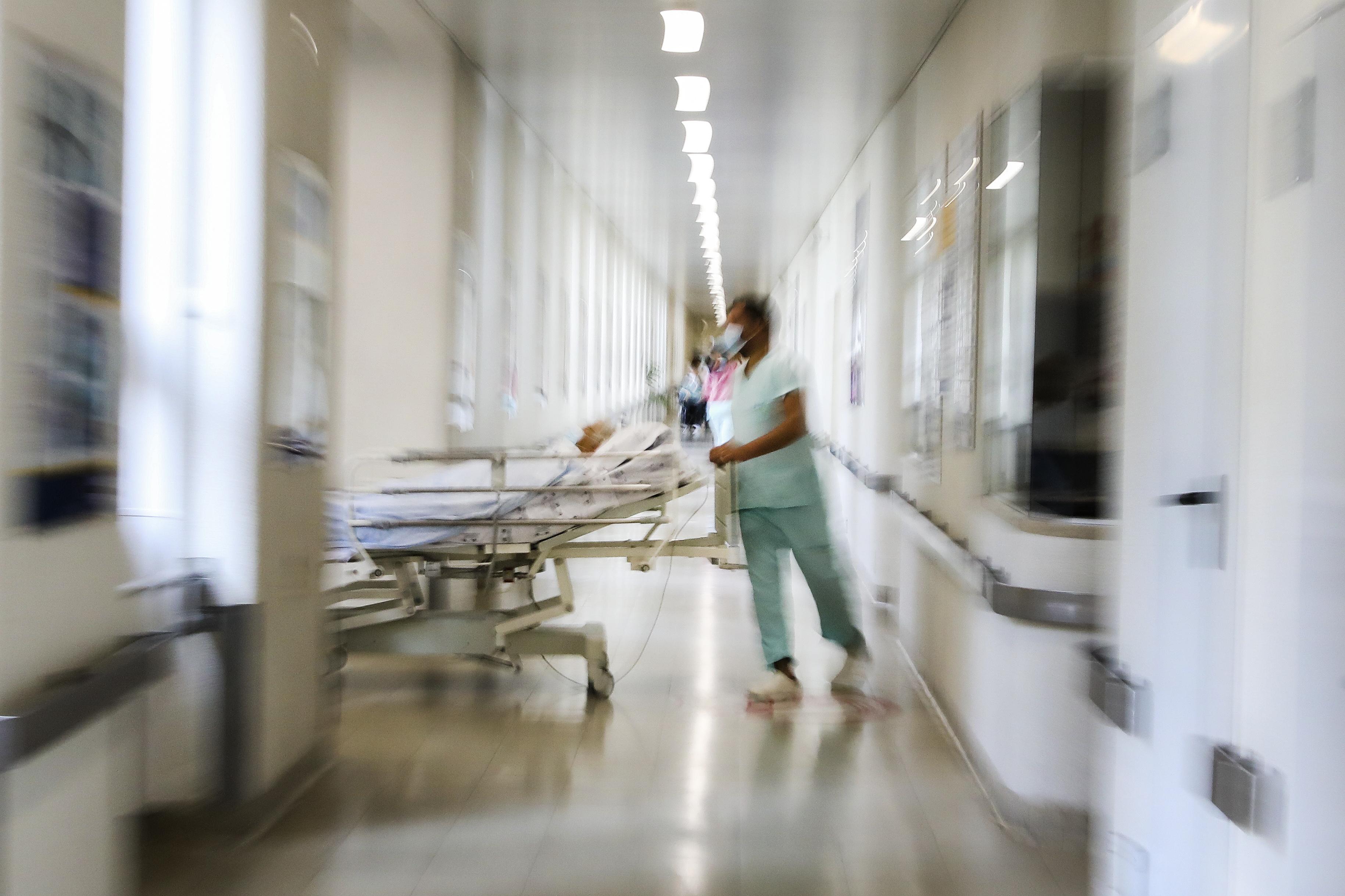 Portugal regista mais 888 casos e cinco mortes nas últimas 24 horas