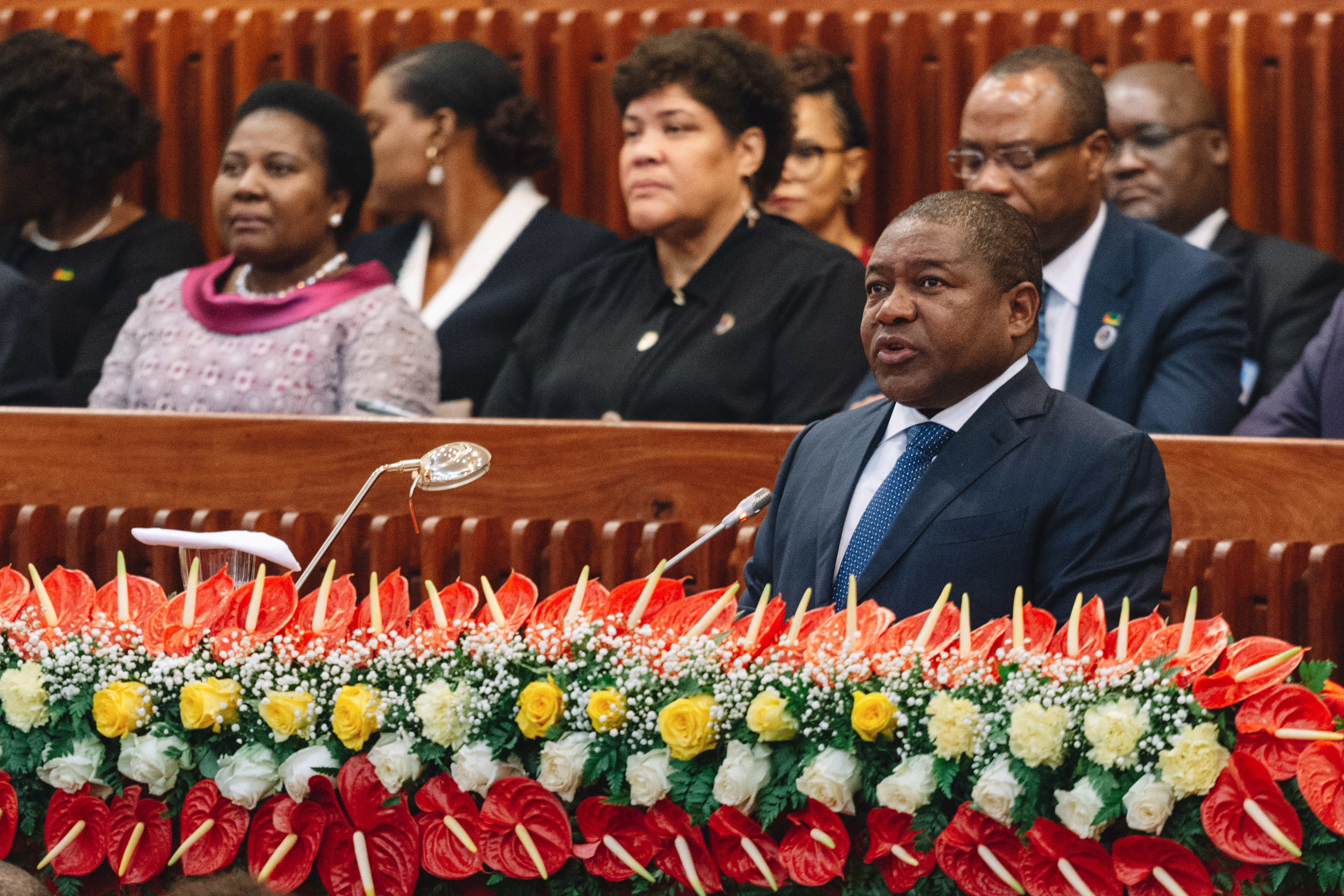 Presidente moçambicano promulga lei contra uniões maritais prematuras