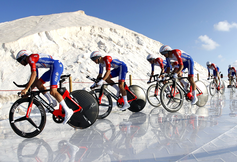 Astana vence contrarrelógio por equipas na Vuelta e López é o primeiro líder