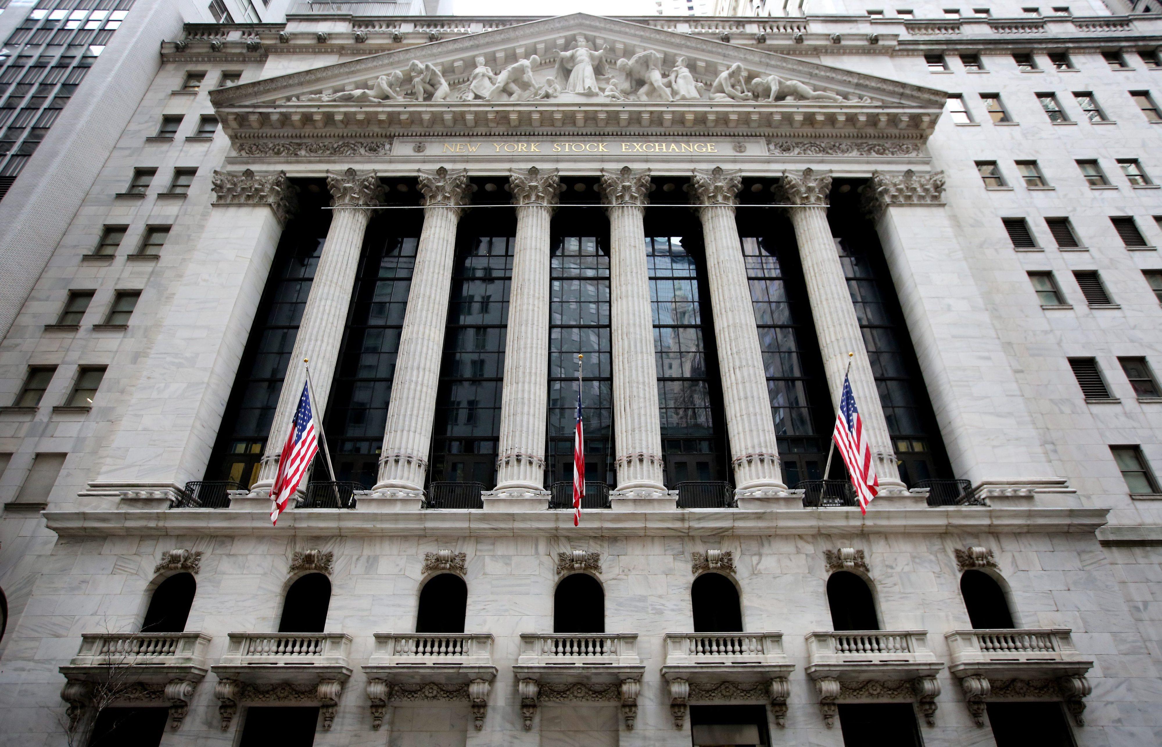 Mercados norte-americanos em queda em vésperas de reunião da Fed