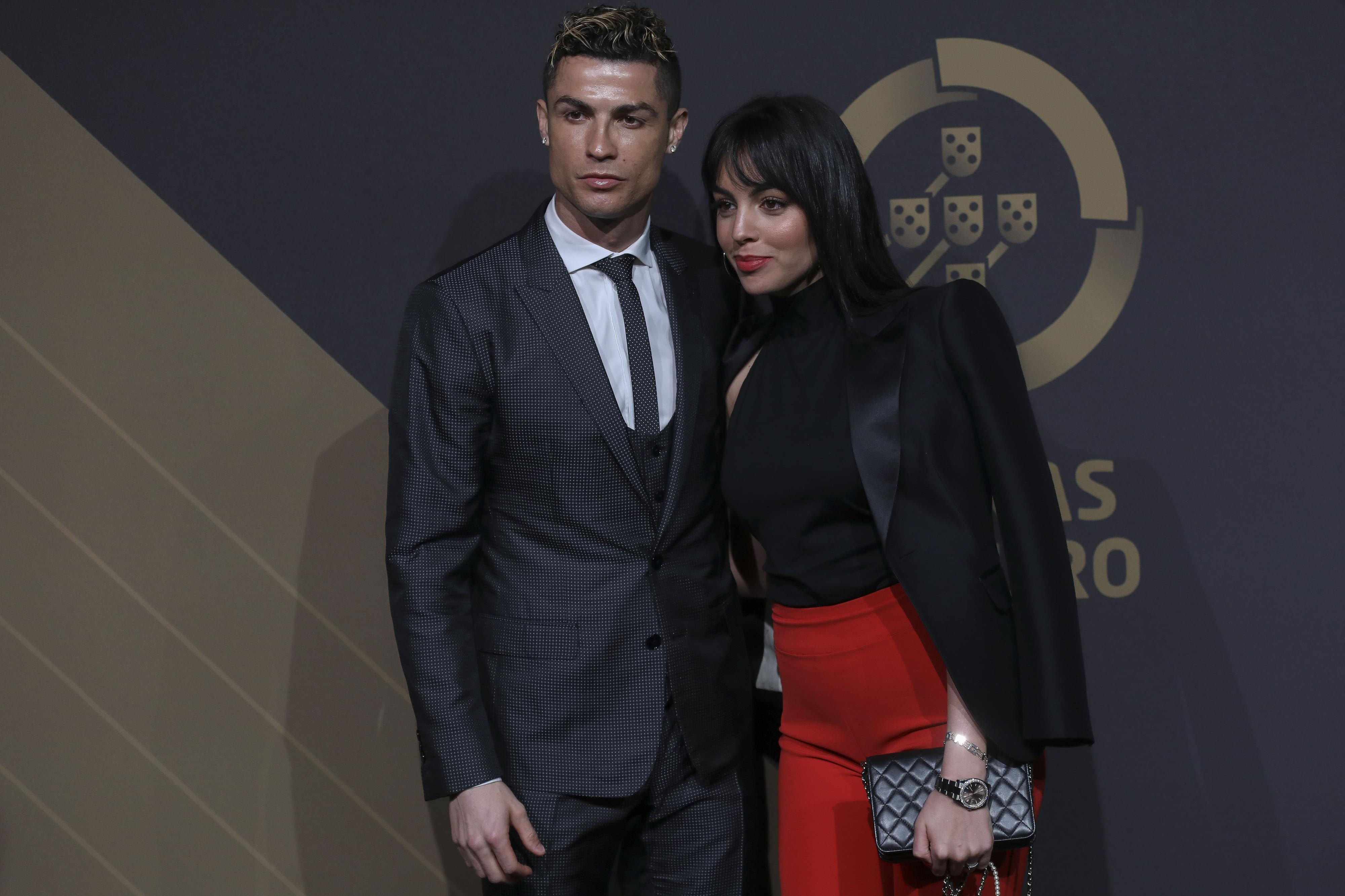 """Cristiano Ronaldo pede que não estraguem bom momento com """"notícias falsas"""""""