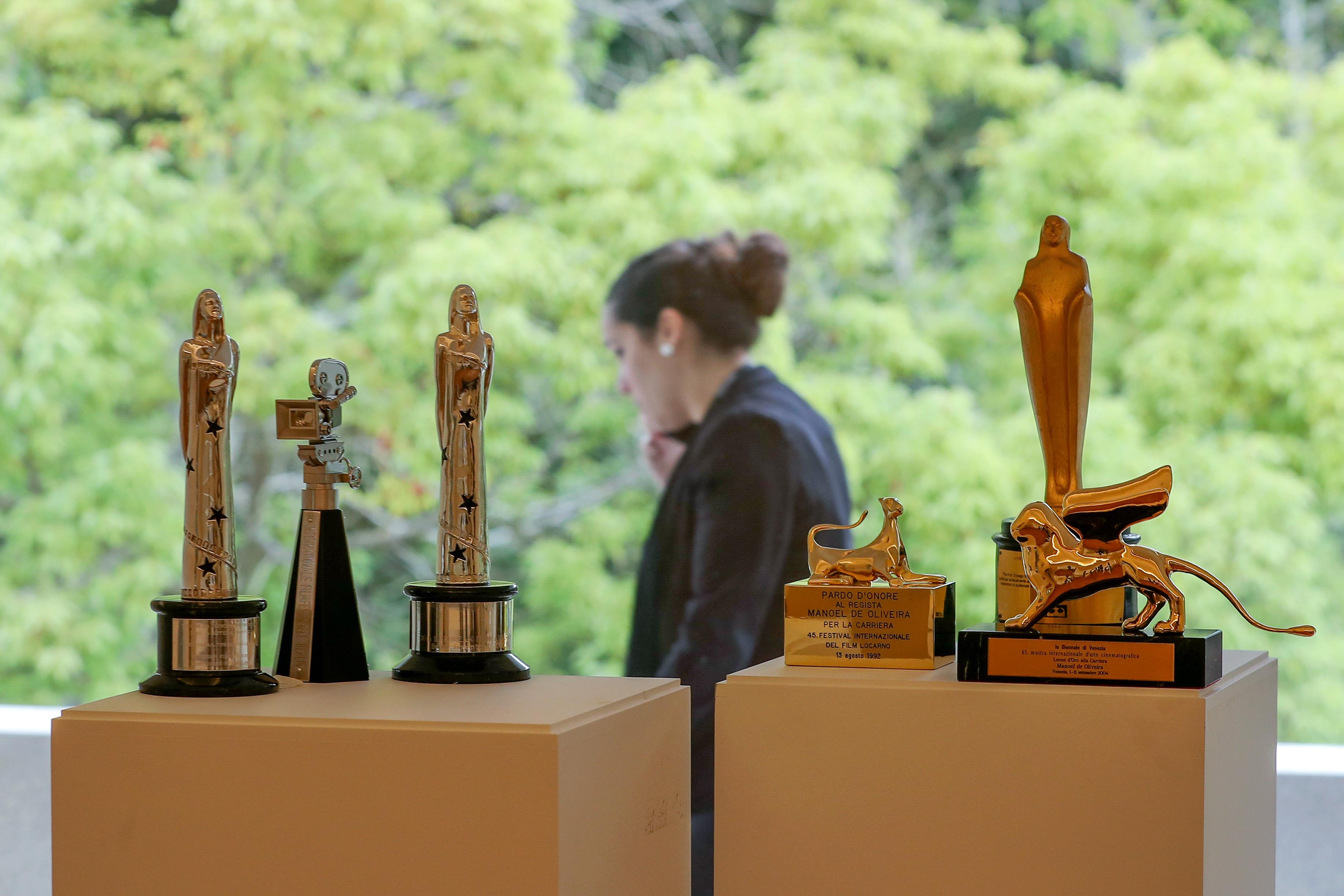 O cinema de Manoel de Oliveira e os seus prémios passam a ter casa em Serralves