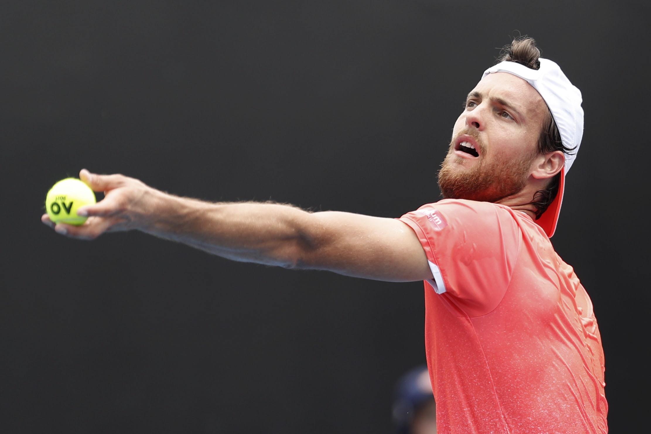 João Sousa eliminado na terceira ronda do Open da Austrália por Nishikori
