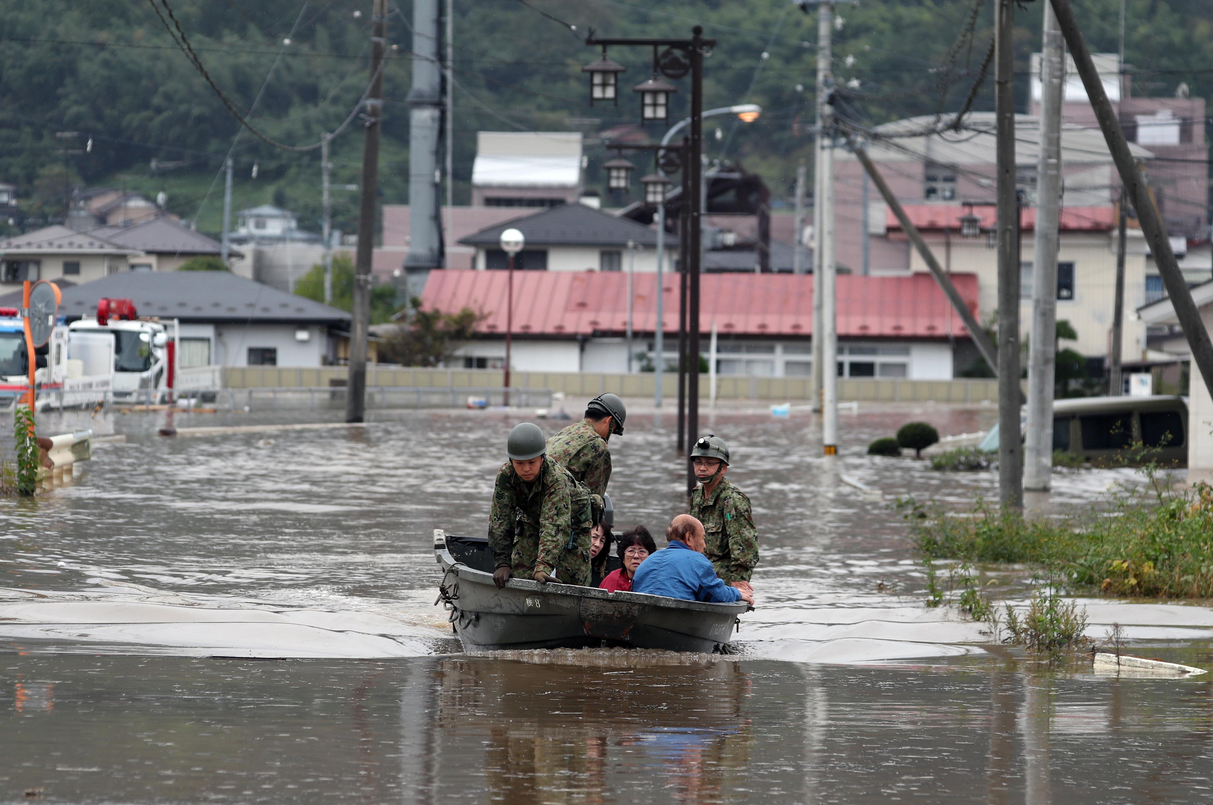 Pelo menos 42 mortos no Japão na sequência do tufão Hagibis - emissora pública