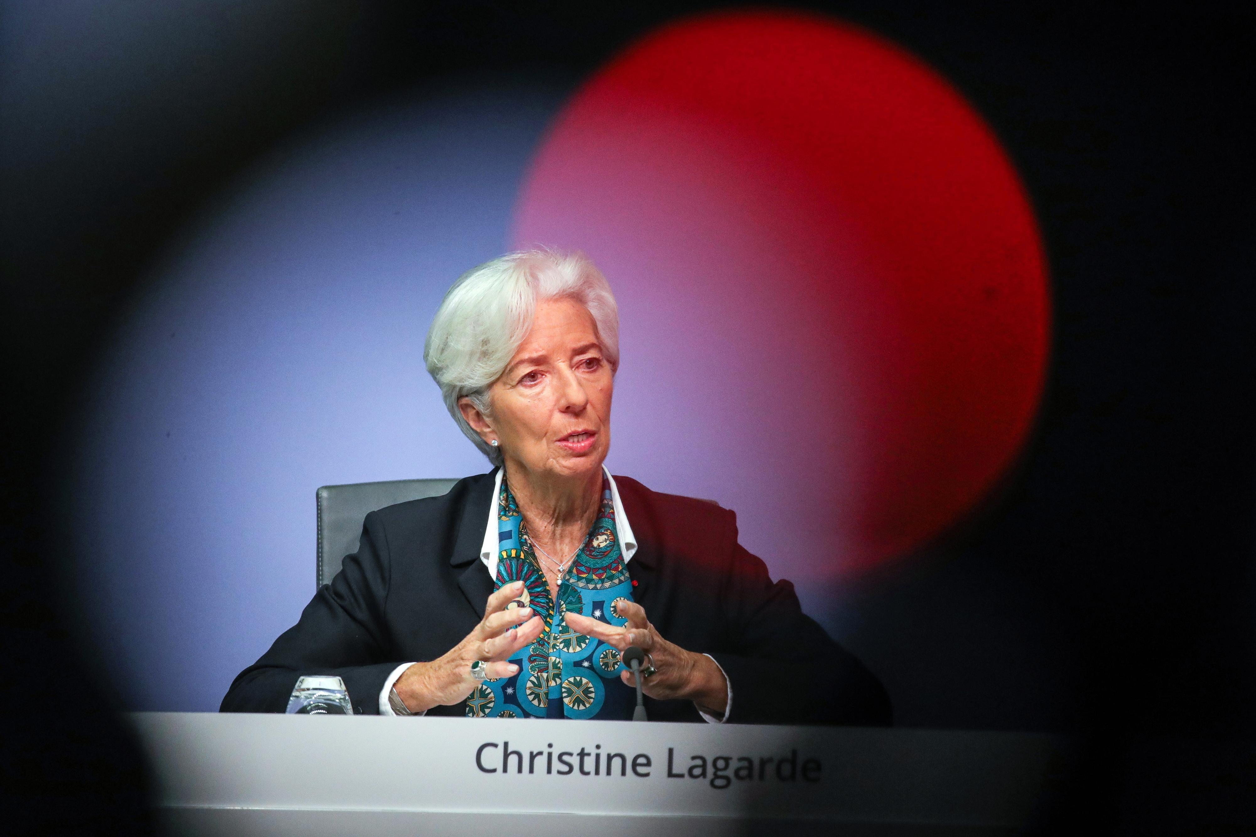 """Lagarde quer ser """"coruja"""" e não """"pomba"""" ou """"falcão"""""""