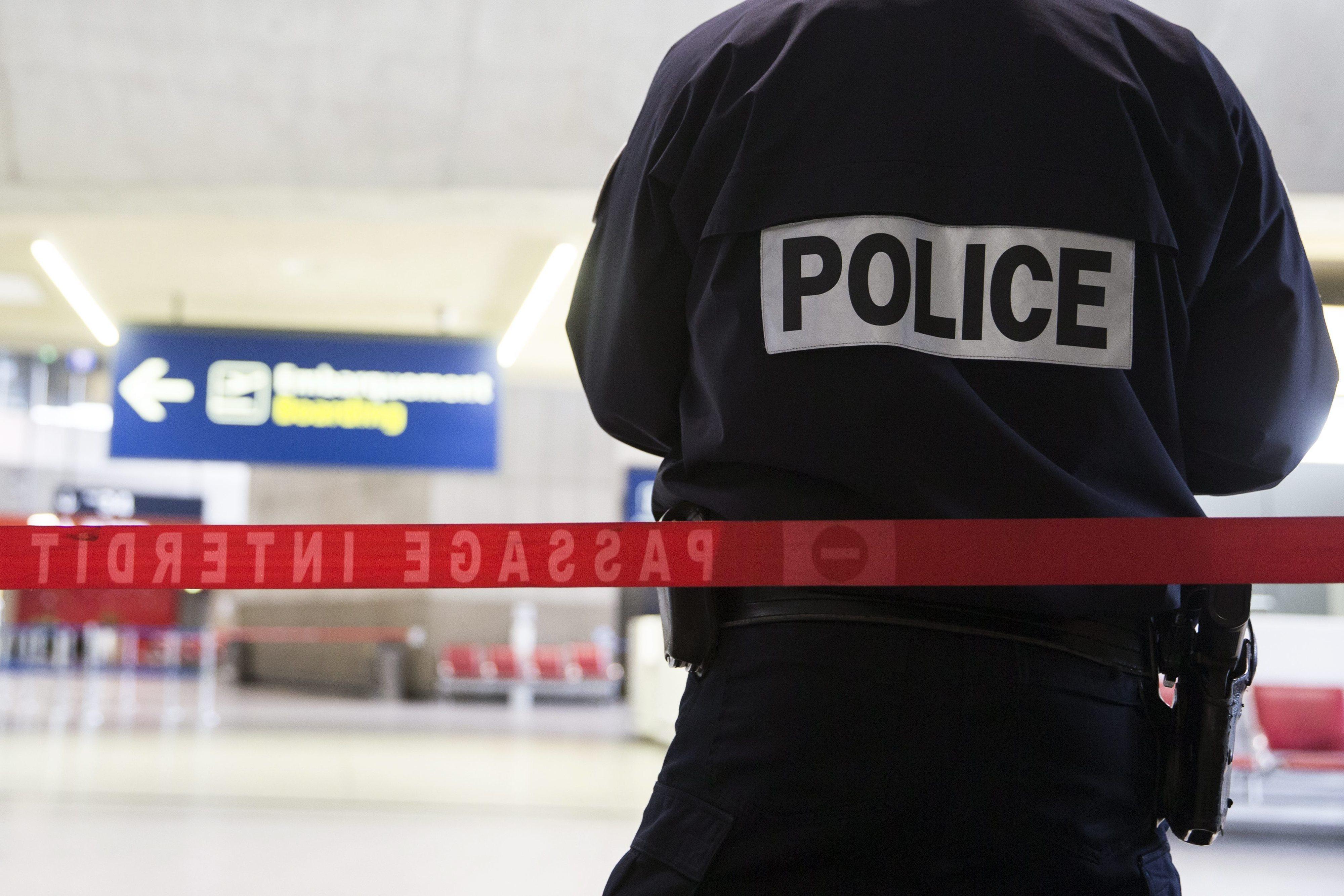 Aumento de suicídios na polícia francesa preocupa sindicatos e governo