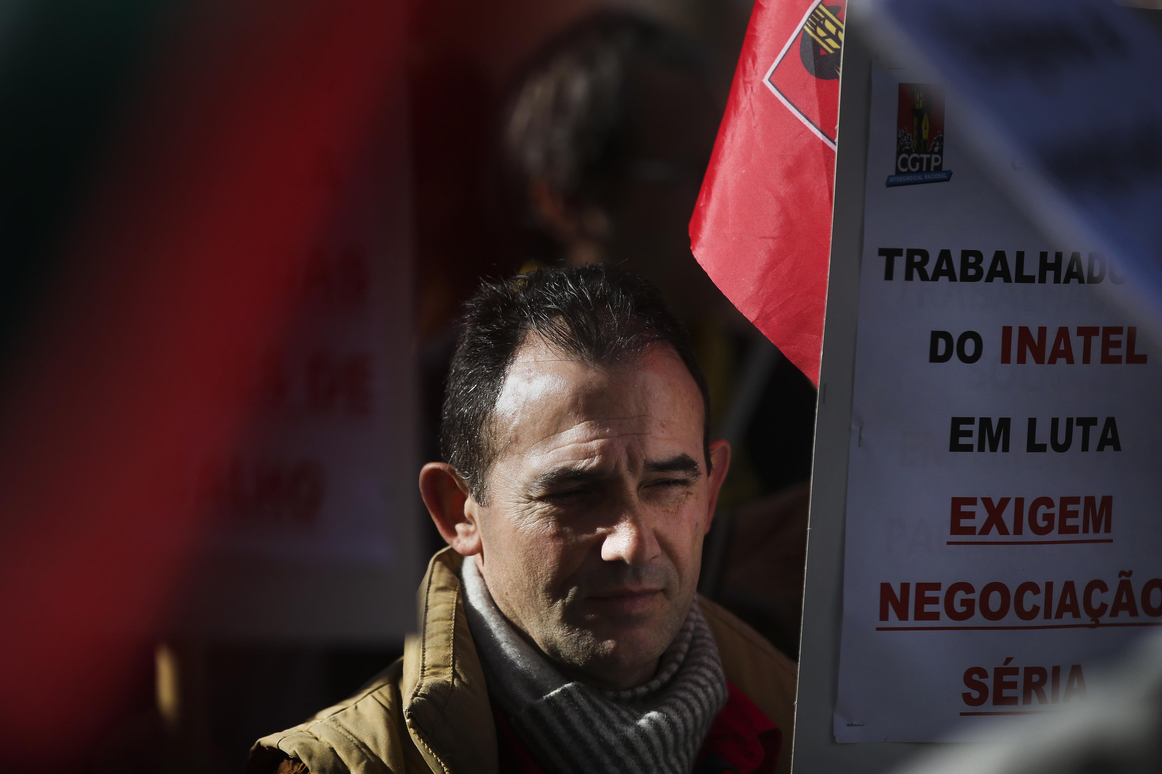 Trabalhadores da Inatel aprovam moção a exigir que negociações comecem a 14 de dezembro
