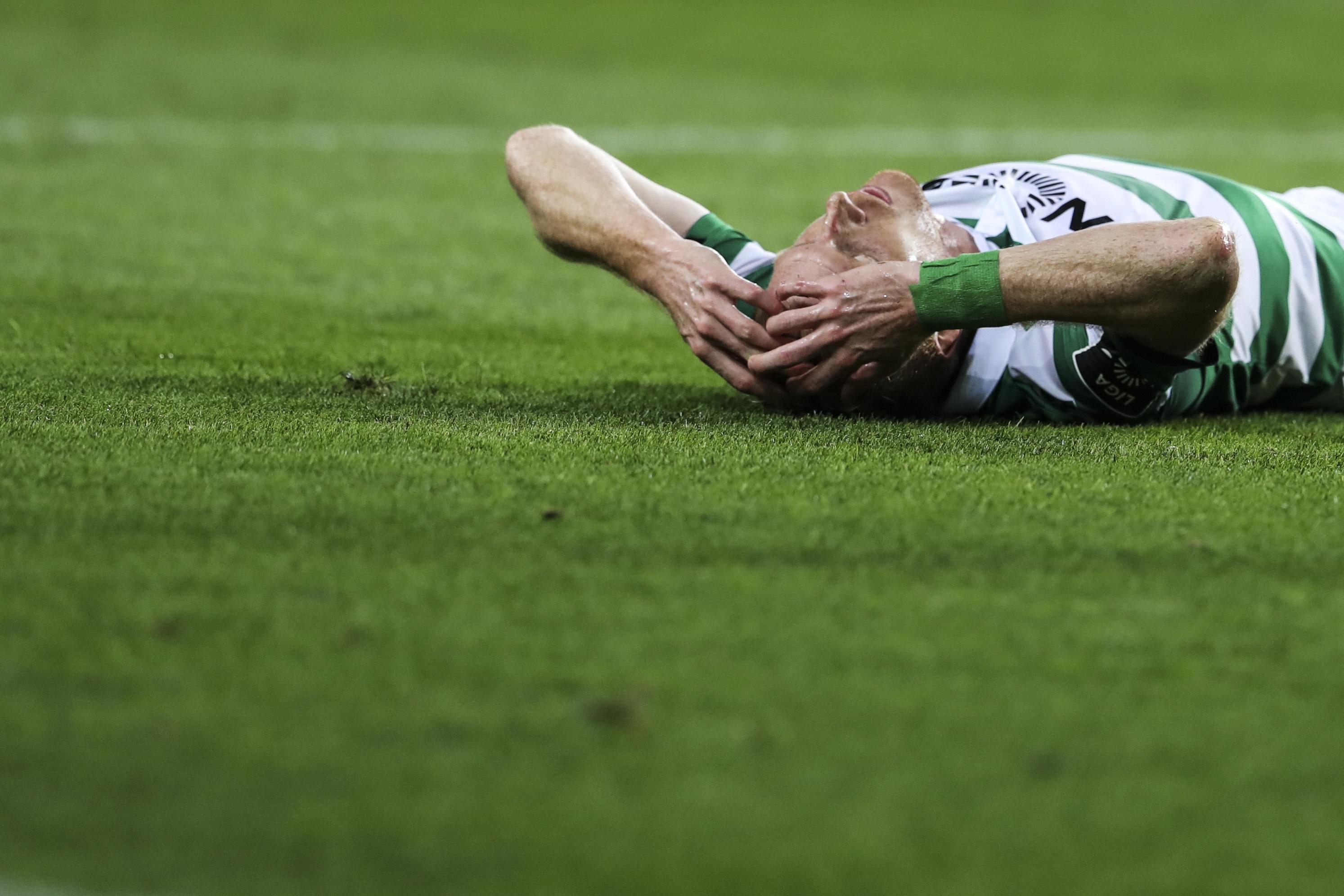 Mathieu do Sporting suspenso dois jogos por expulsão na meia-final da Taça da Liga