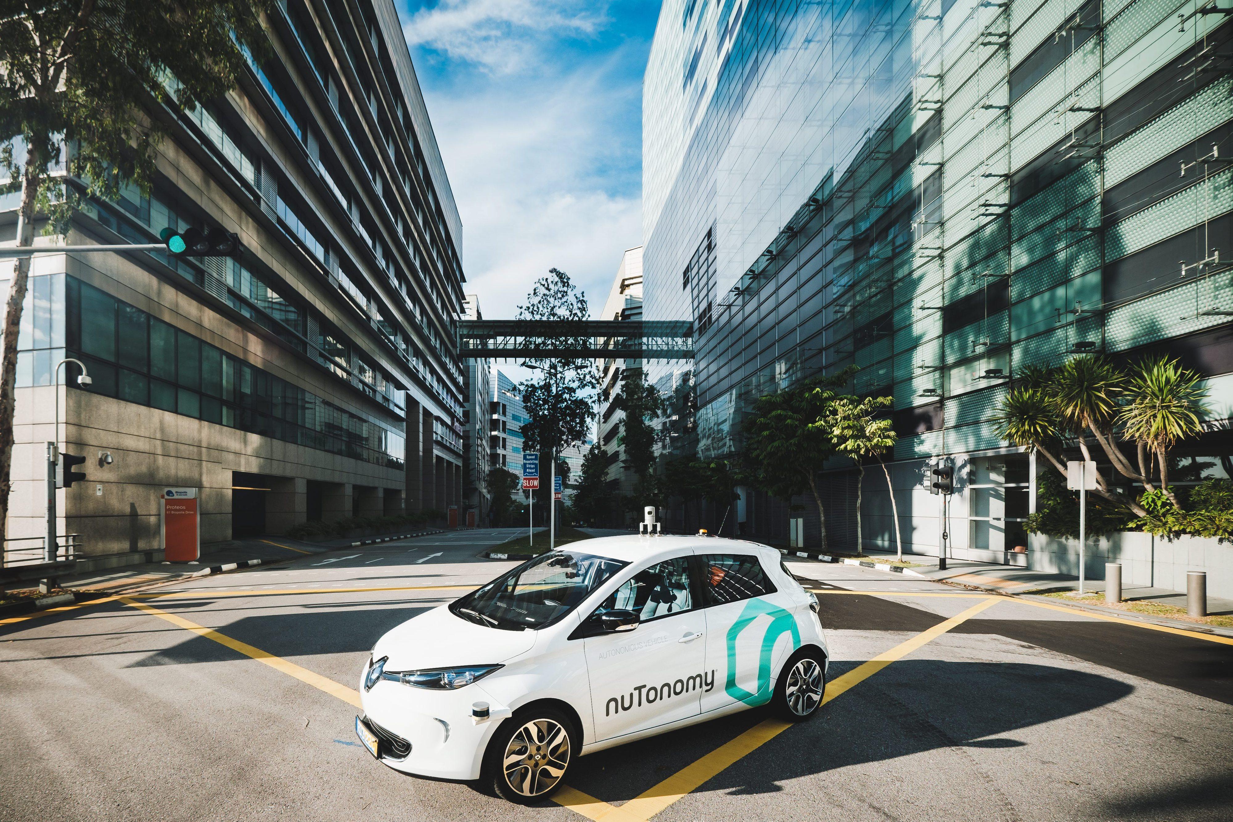 Singapura testa táxis sem condutor em estreia mundial