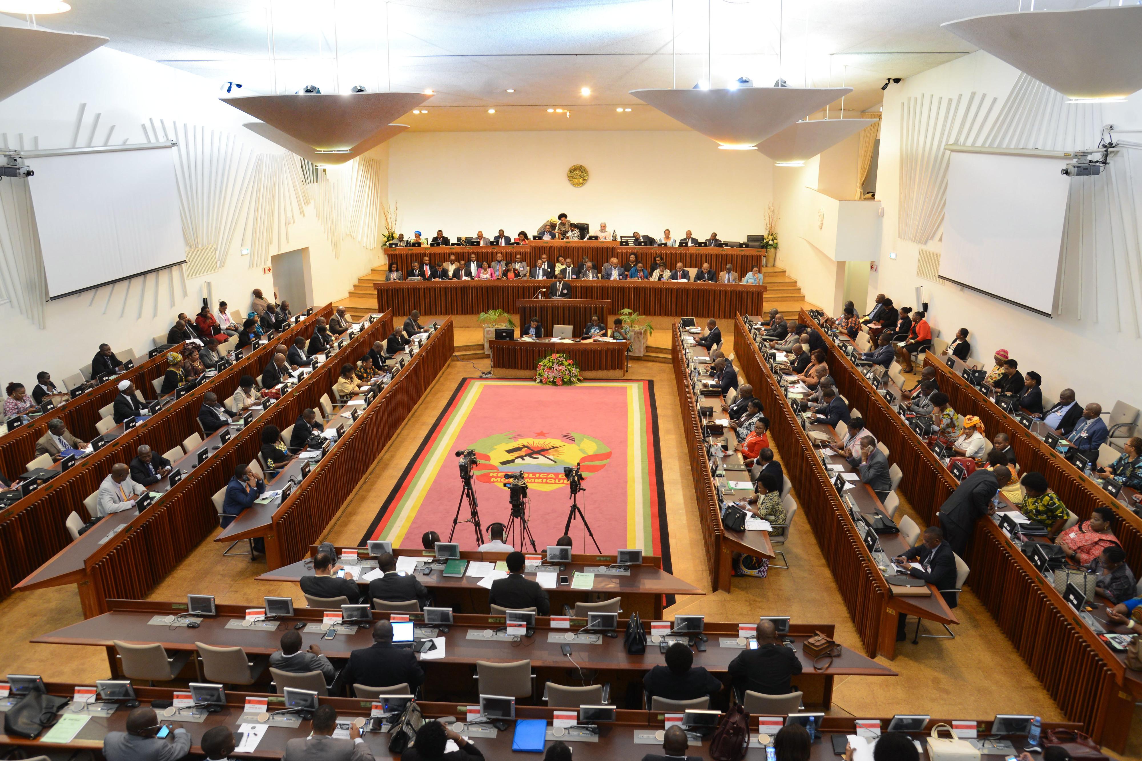 Parlamento moçambicano ratifica Lúcia Ribeiro como presidente do Conselho Constitucional