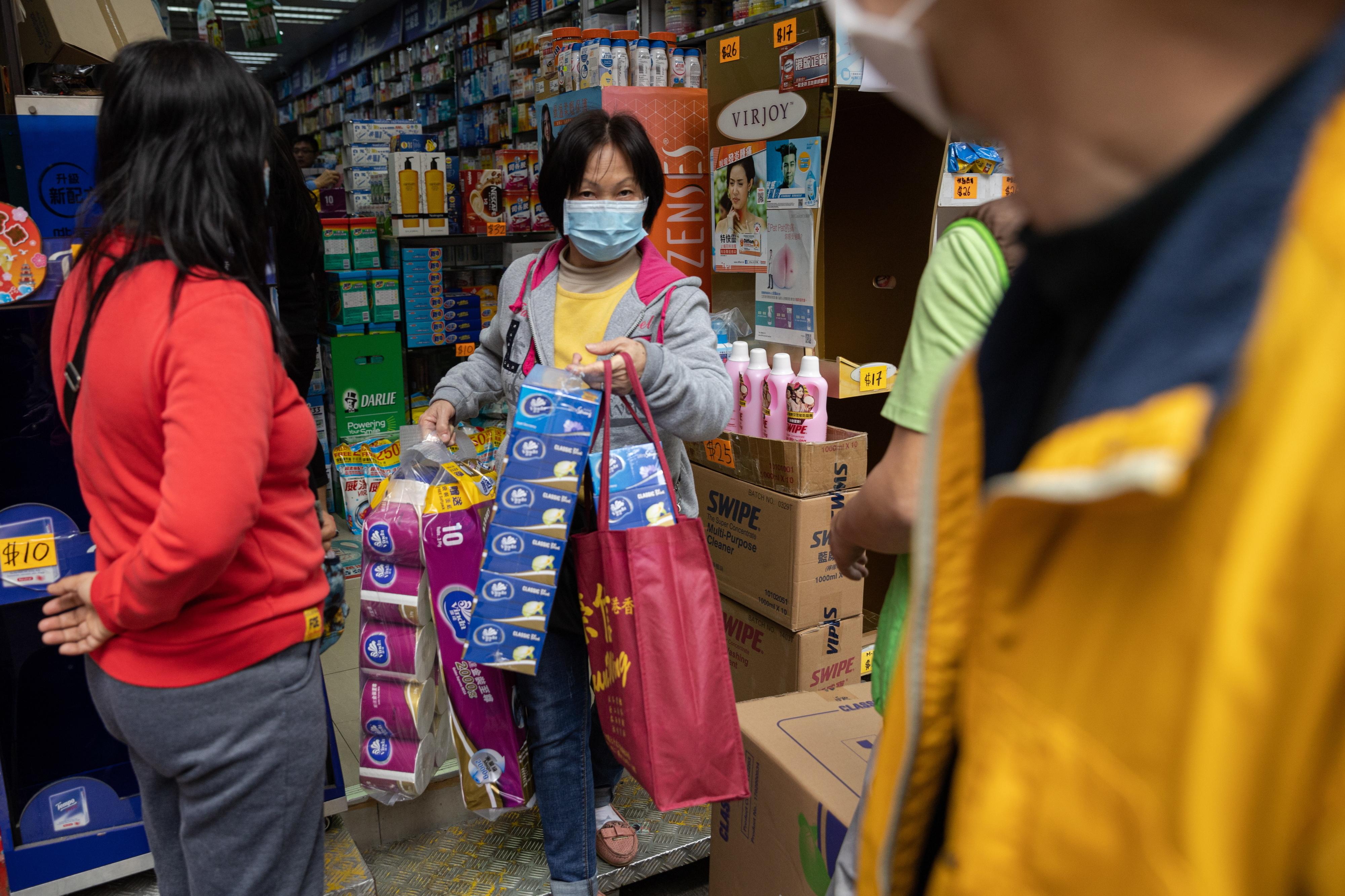 Polícia de Hong Kong procura autores de roubo de papel higiénico