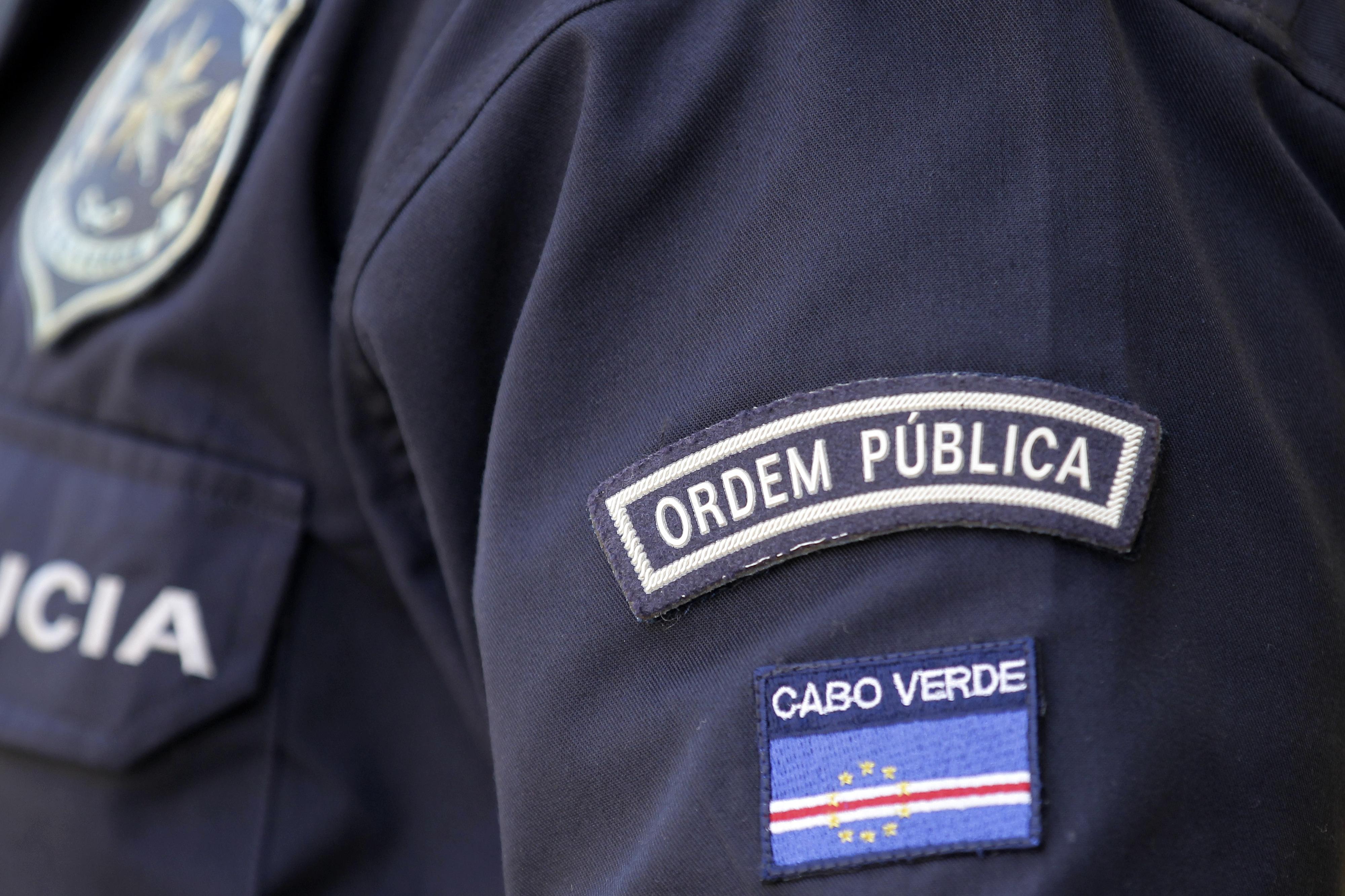Polícia suspeito da morte de jovem em esquadra de Cabo Verde acusado de homicídio agravado