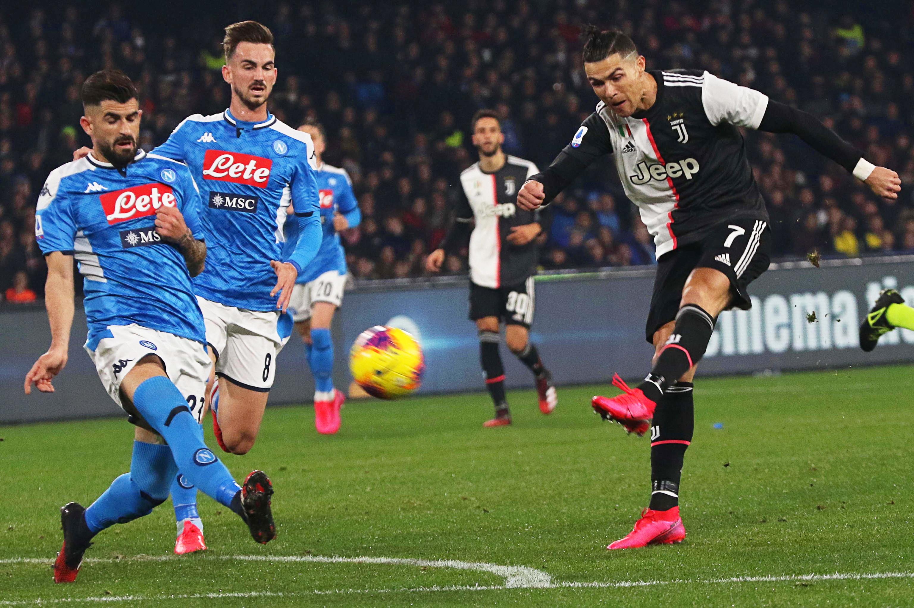 Cristiano Ronaldo marca na derrota da Juventus frente ao Nápoles