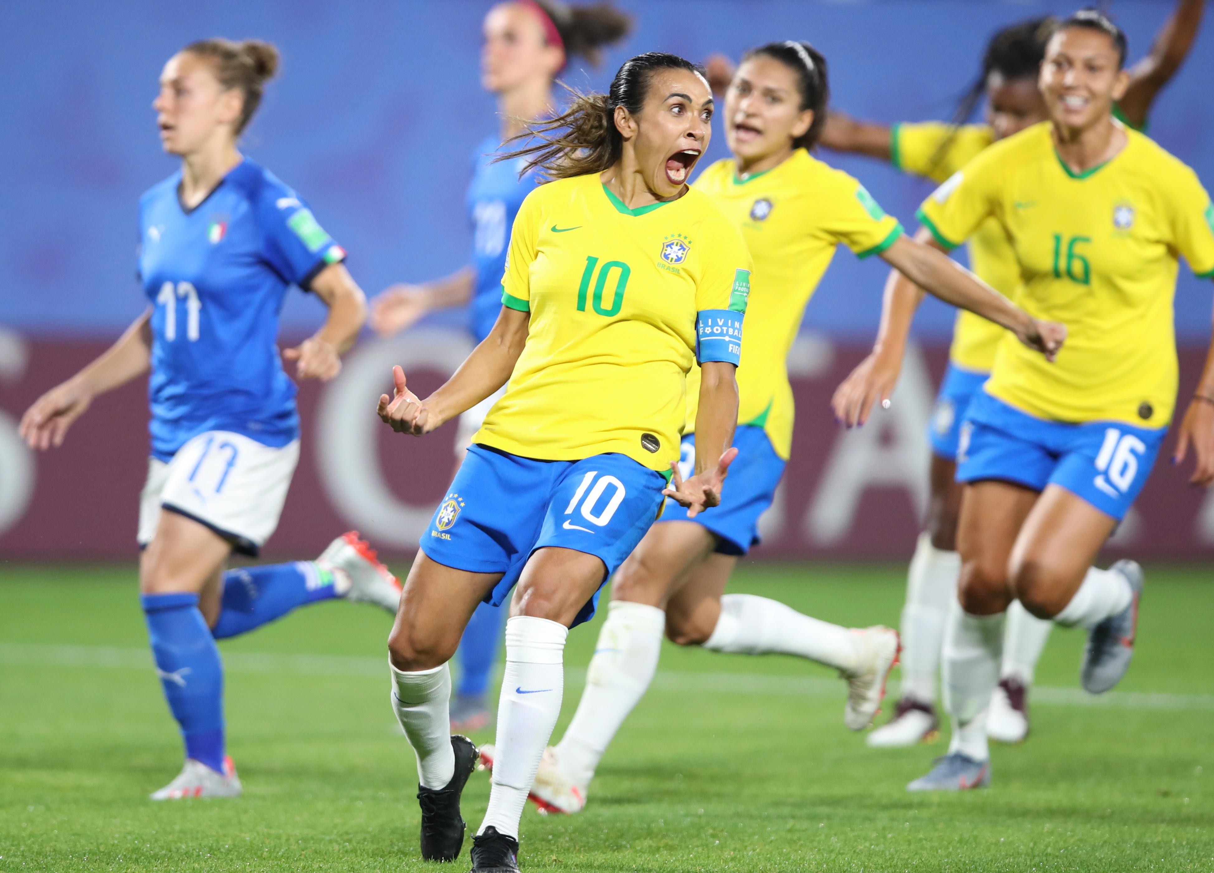 """Marta """"feliz"""" após bater recorde de golos em campeonatos do Mundo"""
