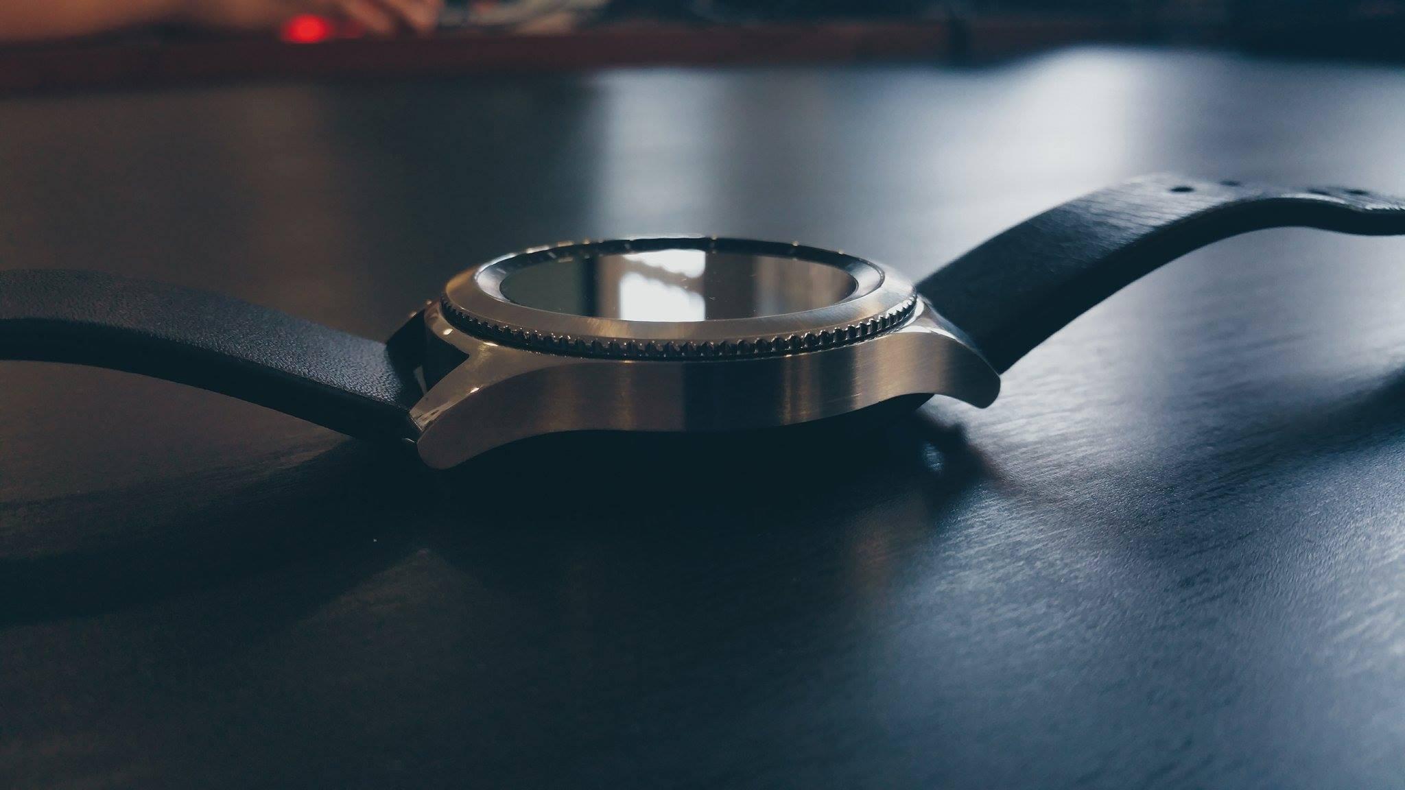 E se os relógios inteligentes se guardassem no bolso? A proposta é da Samsung