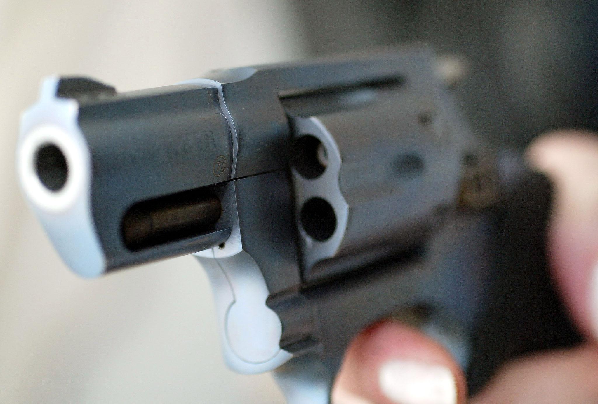 Número de mortes por armas de fogo no Brasil cresceu 592,8% em 34 anos