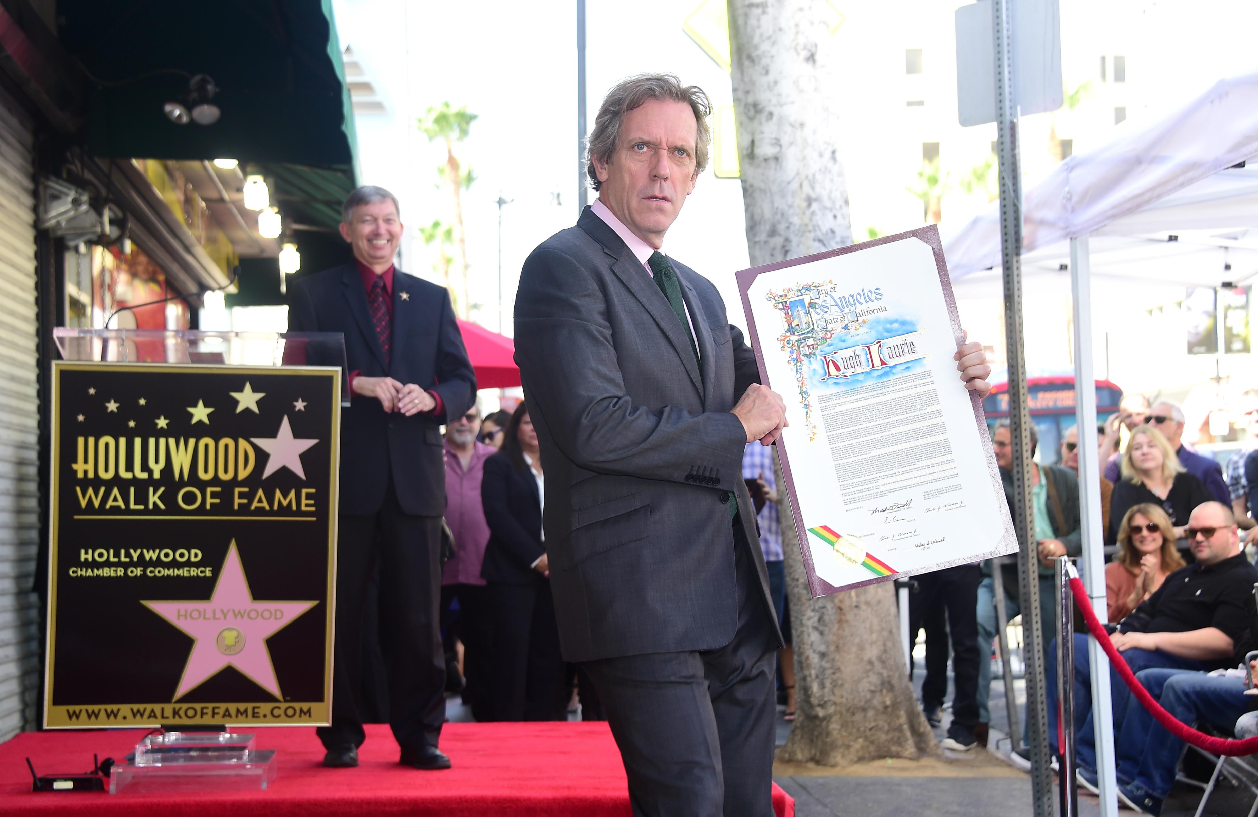 Hugh Laurie homenageado com estrela no Passeio da Fama