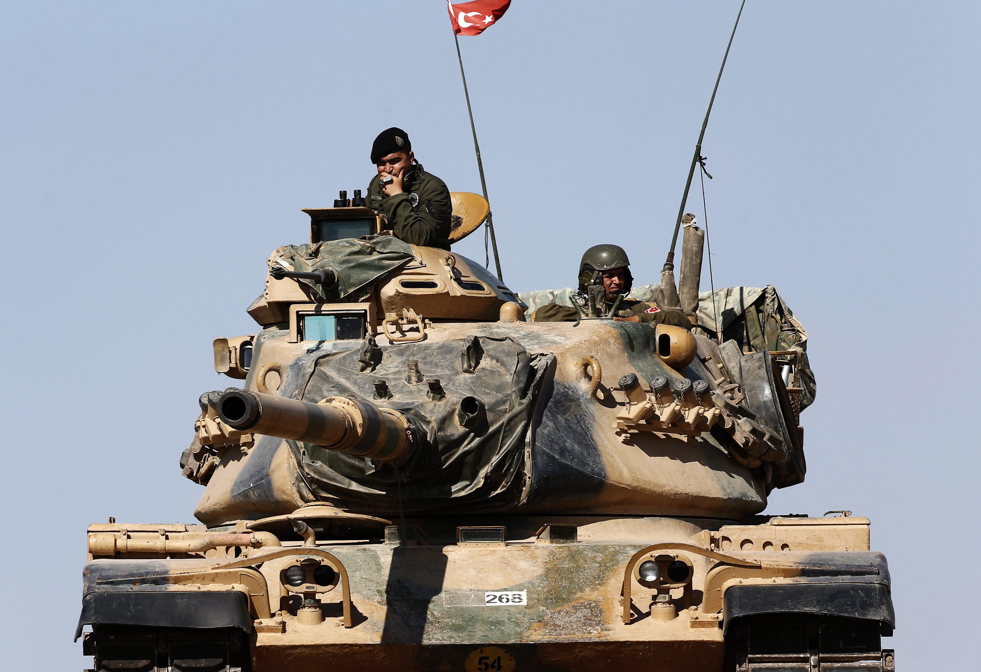 Turquia interceta grupo com quatro cintos de explosivos na fronteira com a Síria