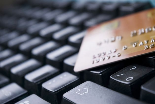 Europeus vão gastar mais de 500 mil milhões de euros em compras online este ano