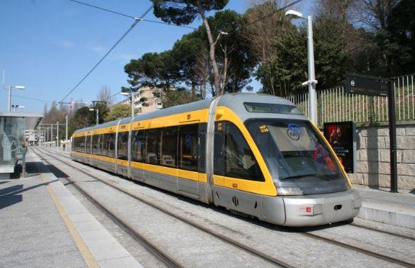 Metro do Porto pondera oferta de Wi-Fi gratuito na rede