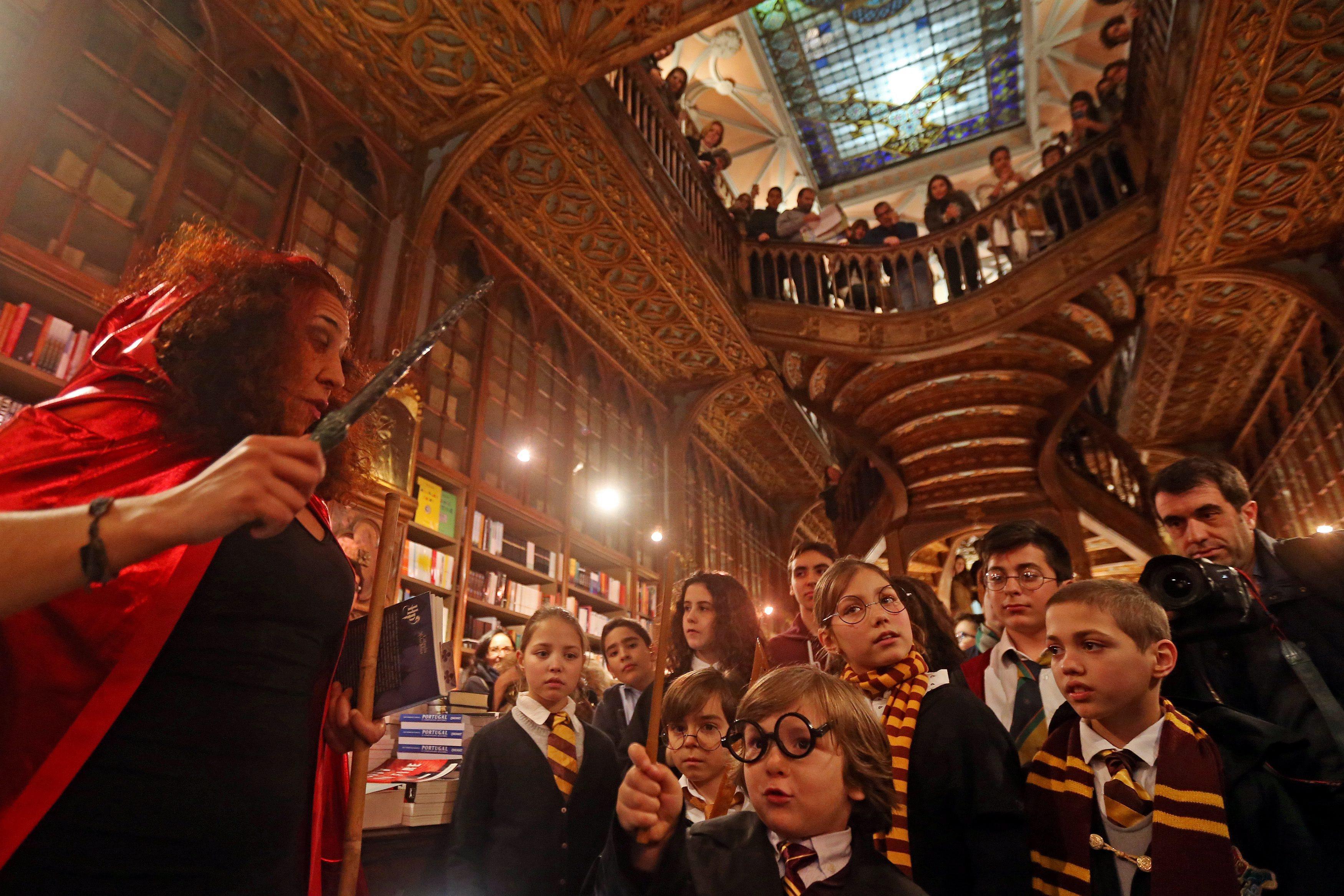"""Lello, a livraria que inspirou autora de """"Harry Potter"""""""