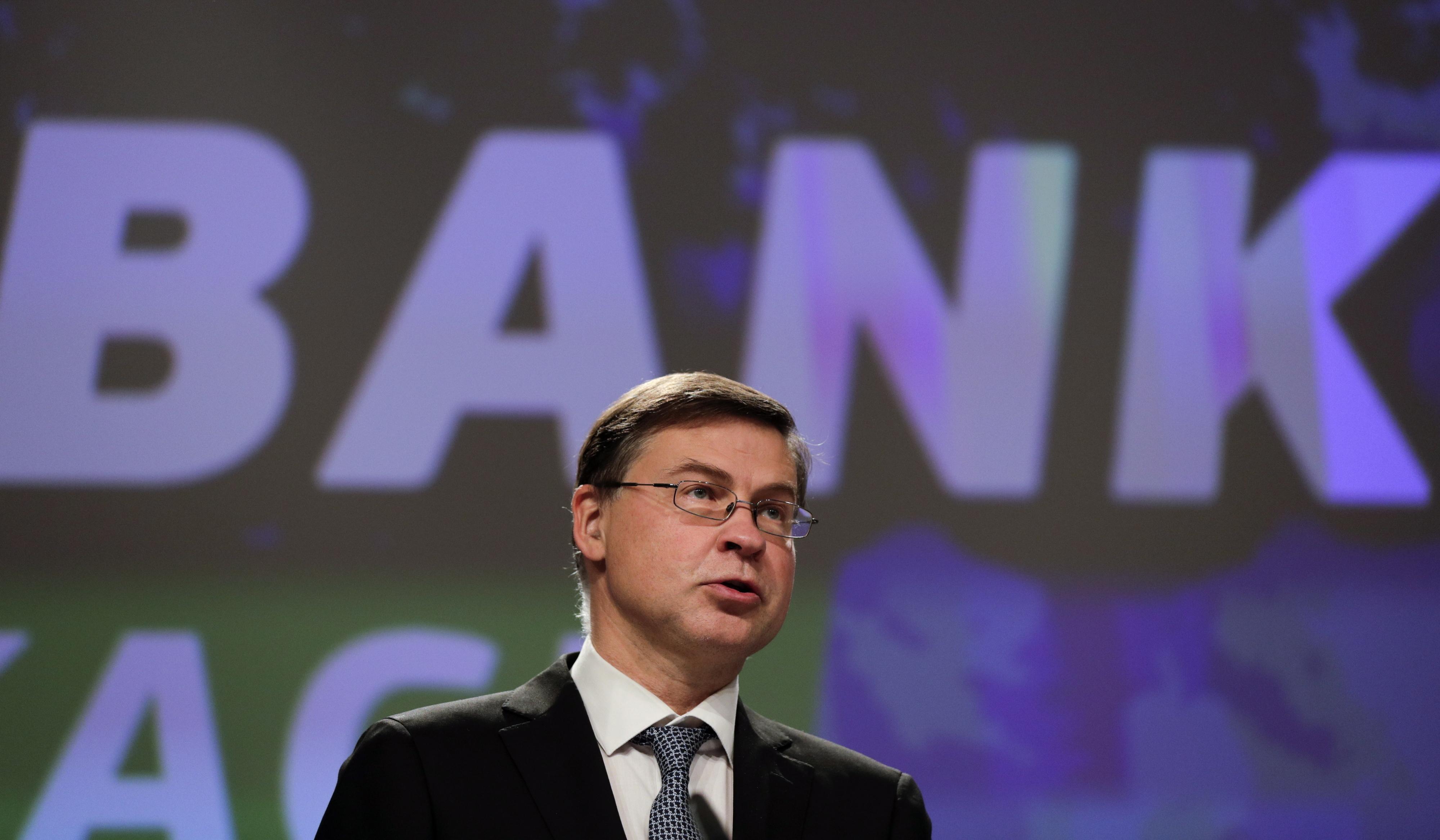 """Bruxelas admite necessidade de """"algumas consultas"""" com Governo"""