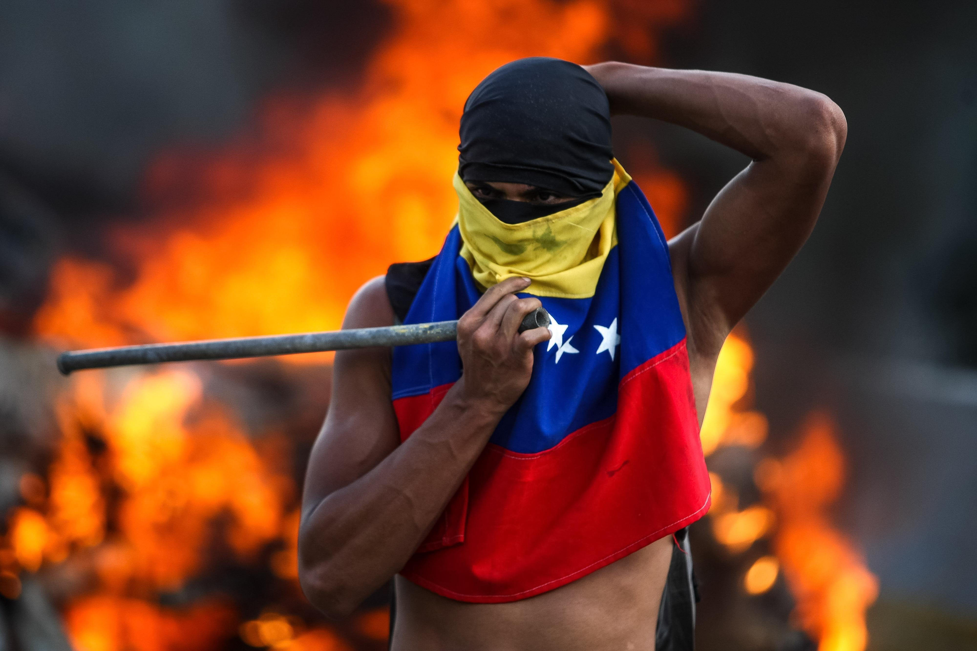 Situação na Venezuela é crítica e portugueses estão apreensivos