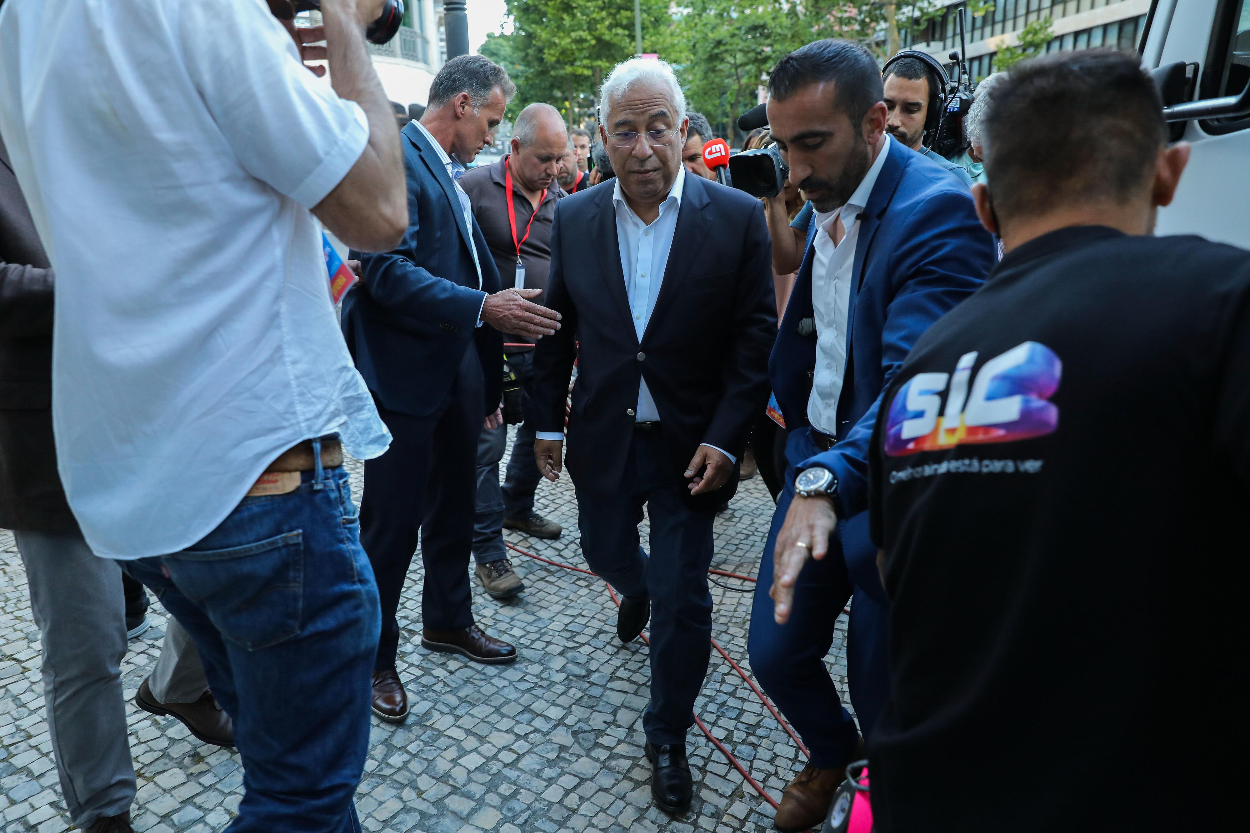 """Costa pede """"reflexão profunda"""" aos políticos e imprensa sobre causas da abstenção nas europeias"""