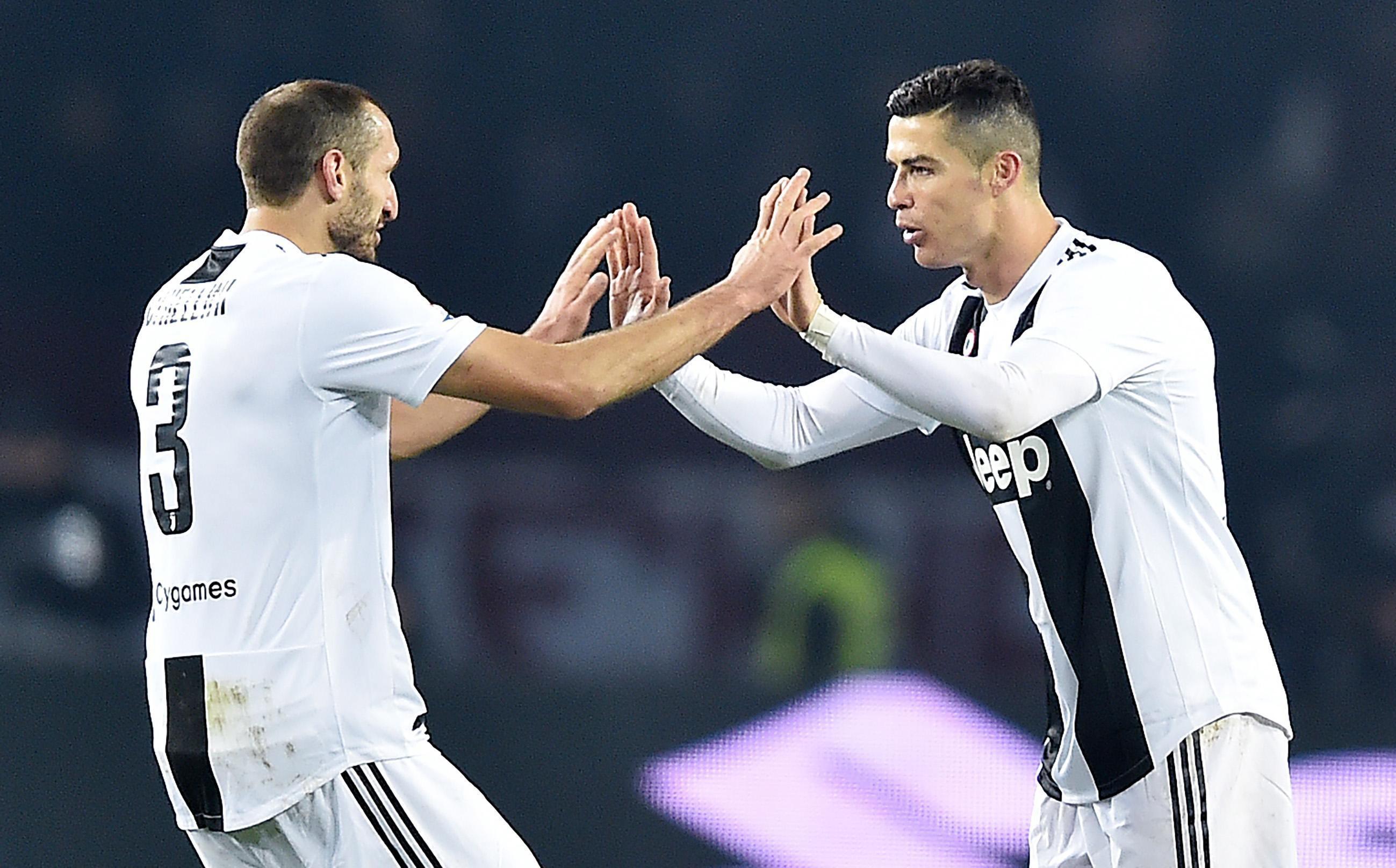 Líder Juventus vence Torino com penálti de Cristiano Ronaldo
