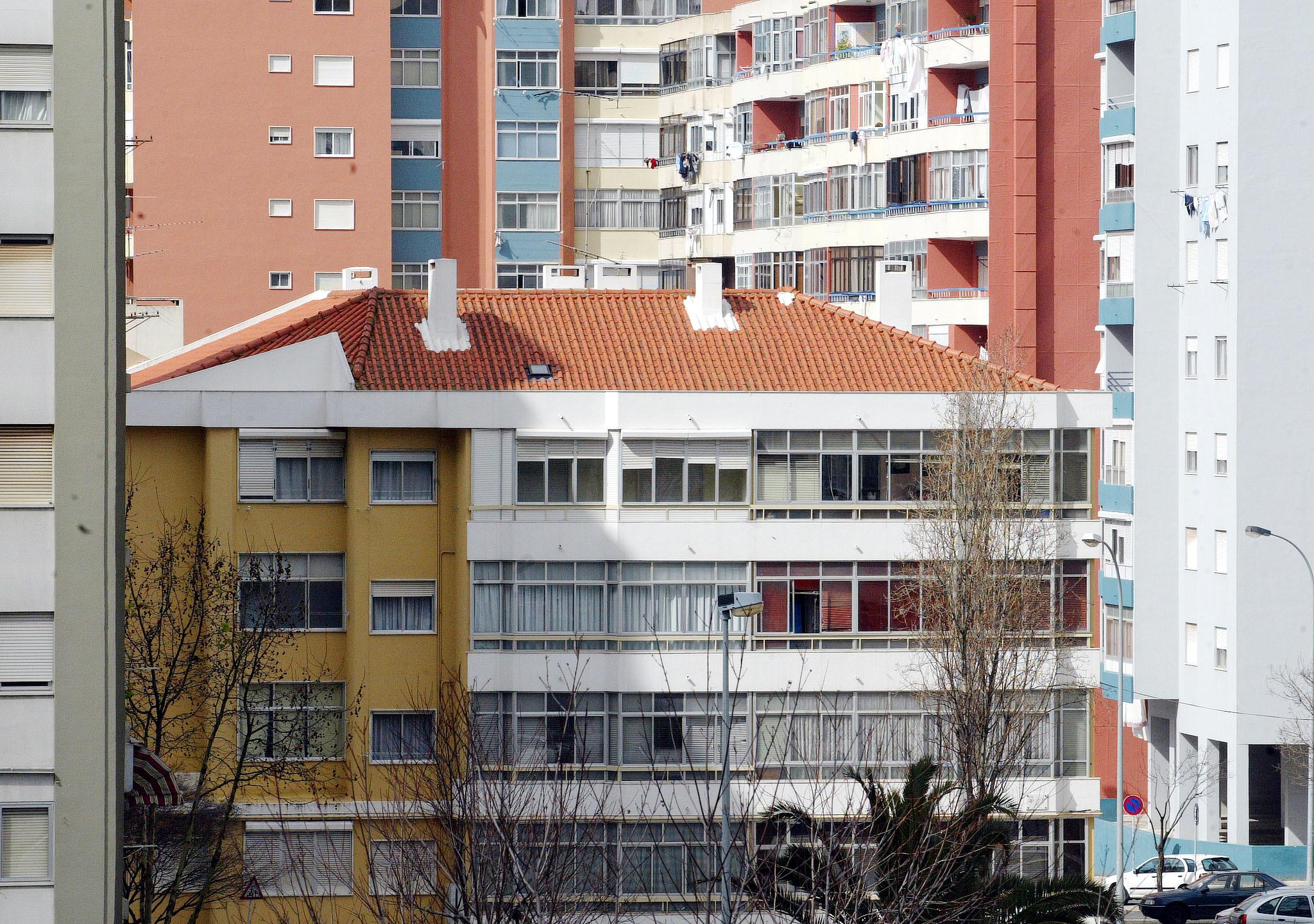 Governo divulga aos emigrantes programa de arrendamento isento de tributação