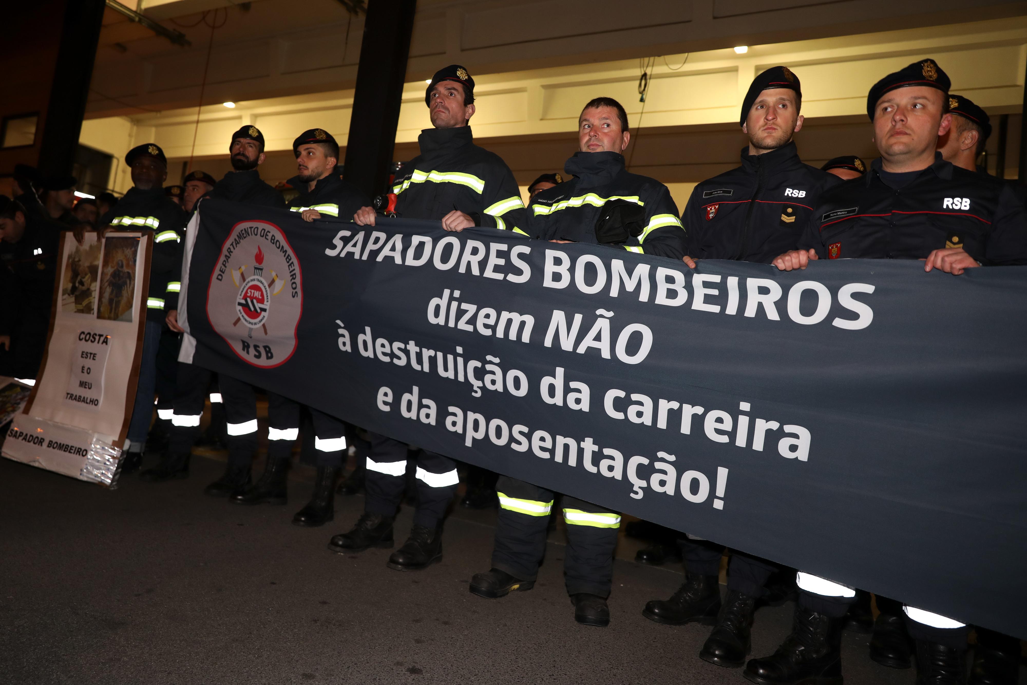 Adesão à greve dos bombeiros de Lisboa é de 100% - sindicato