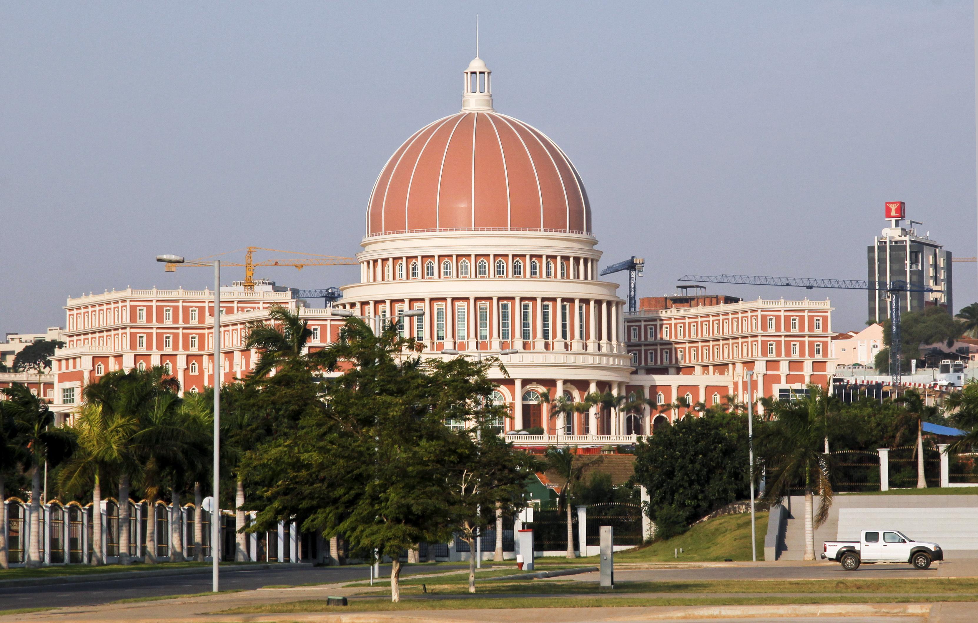 Parlamento angolano aprova lei que vai melhorar eficiência ao bilhete de identidade
