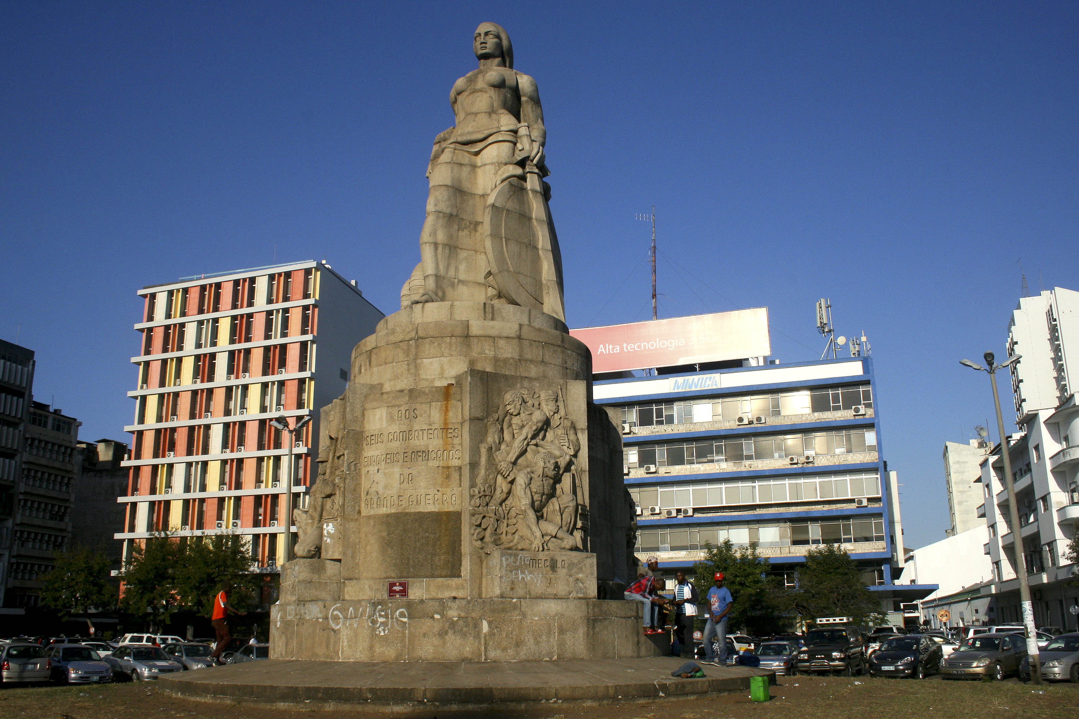 """Empresas participadas pelo Estado não podem ser um """"fardo"""" - Governo moçambicano"""