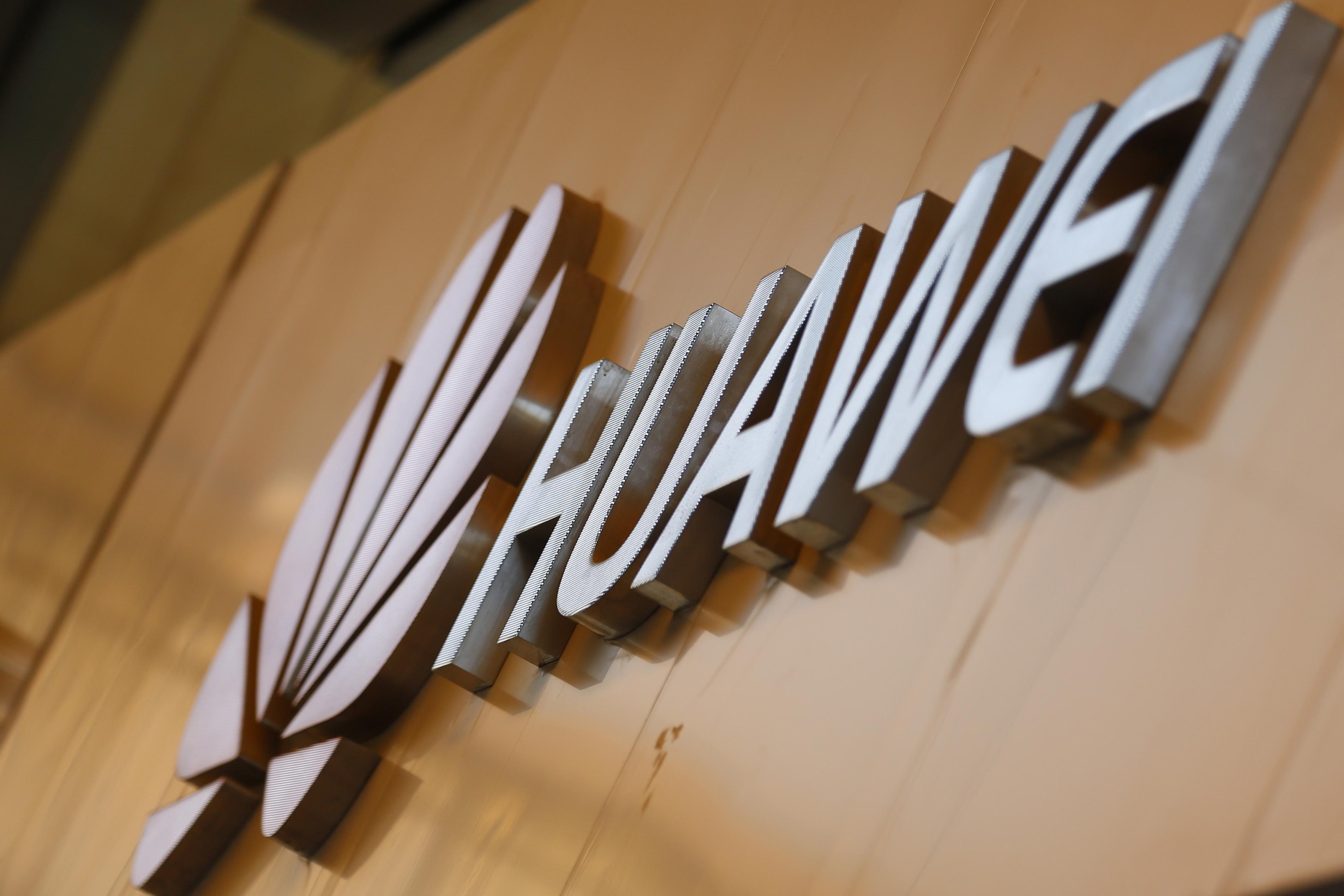 """Huawei """"agradada"""" com notícias que indicam que Londres permitirá participação no 5G"""