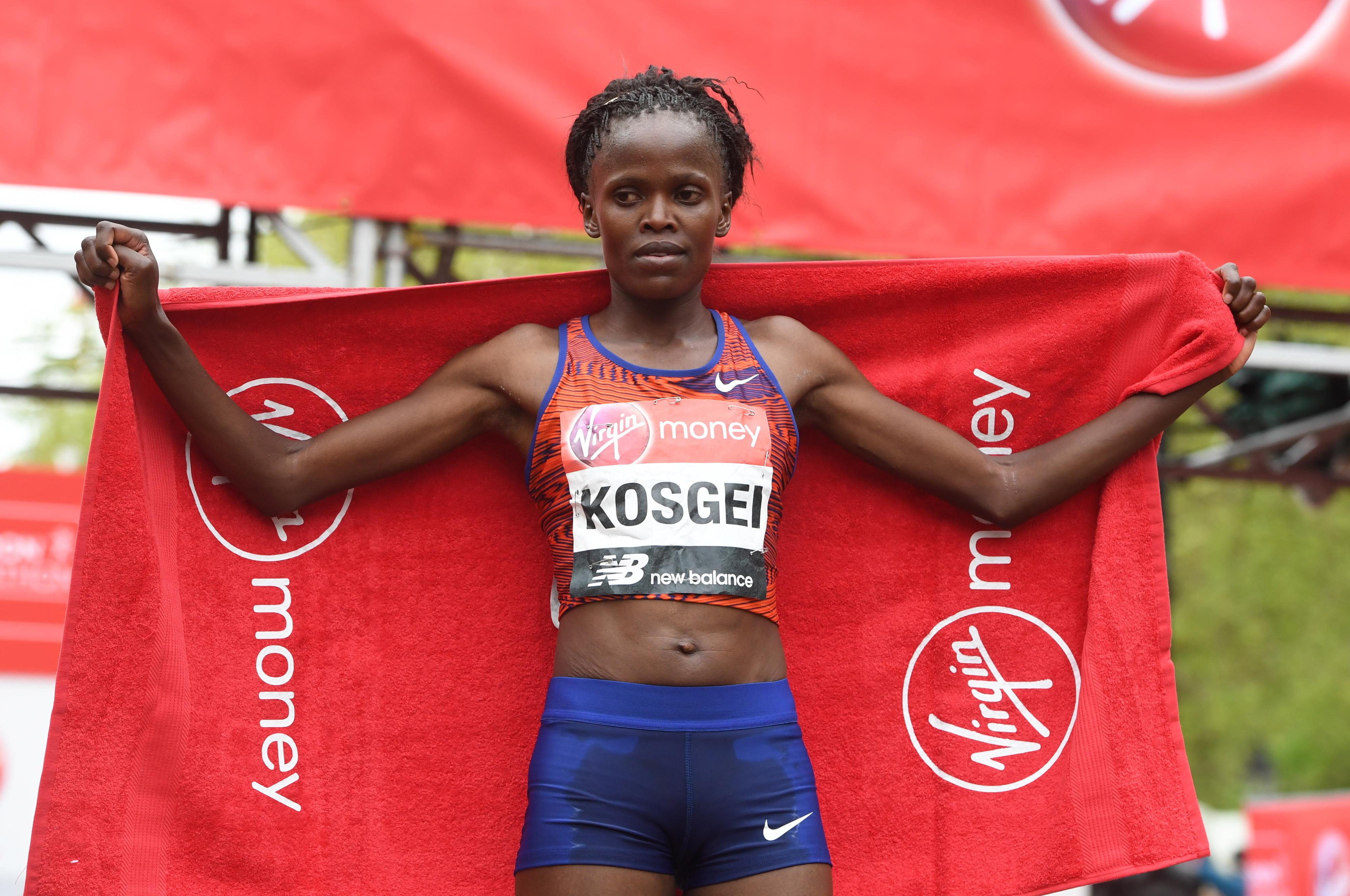 Queniana Brigid Kosgei bateu recorde da maratona que pertencia a Paula Radcliffe