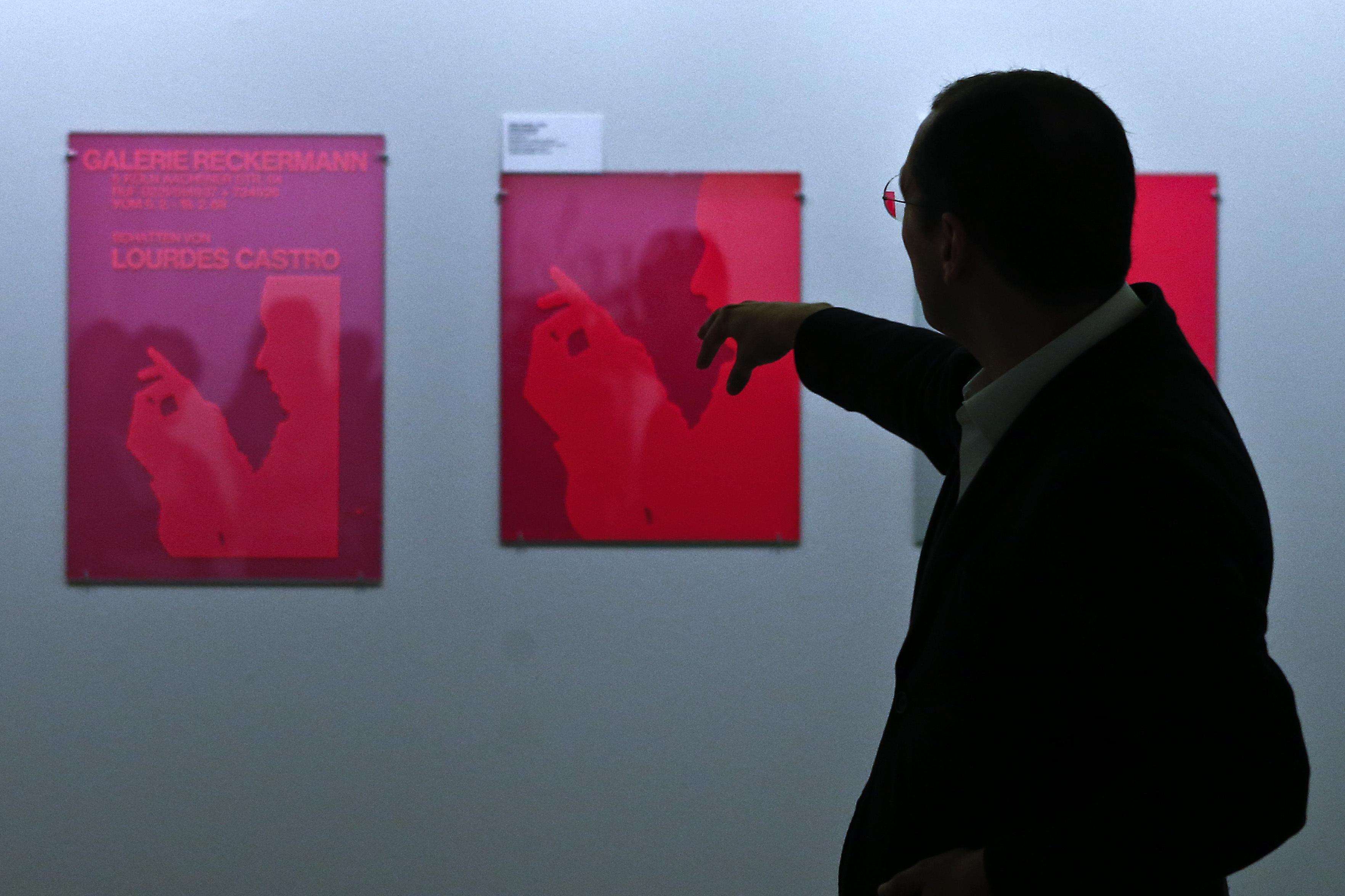 """Exposição com """"álbuns de família"""" da artista Lourdes Castro inaugura hoje"""