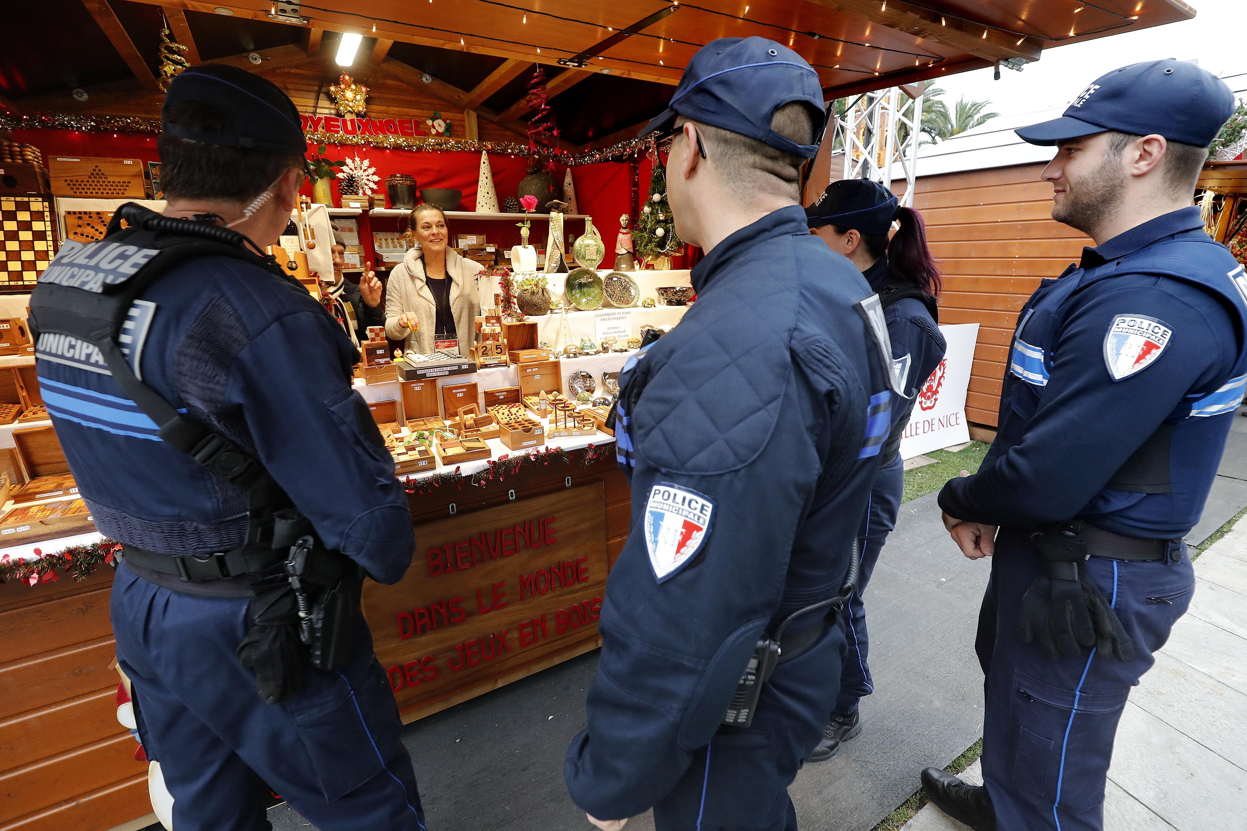 Mercado de Natal de Estrasburgo reabre 6.ªfeira com plano de segurança adaptado