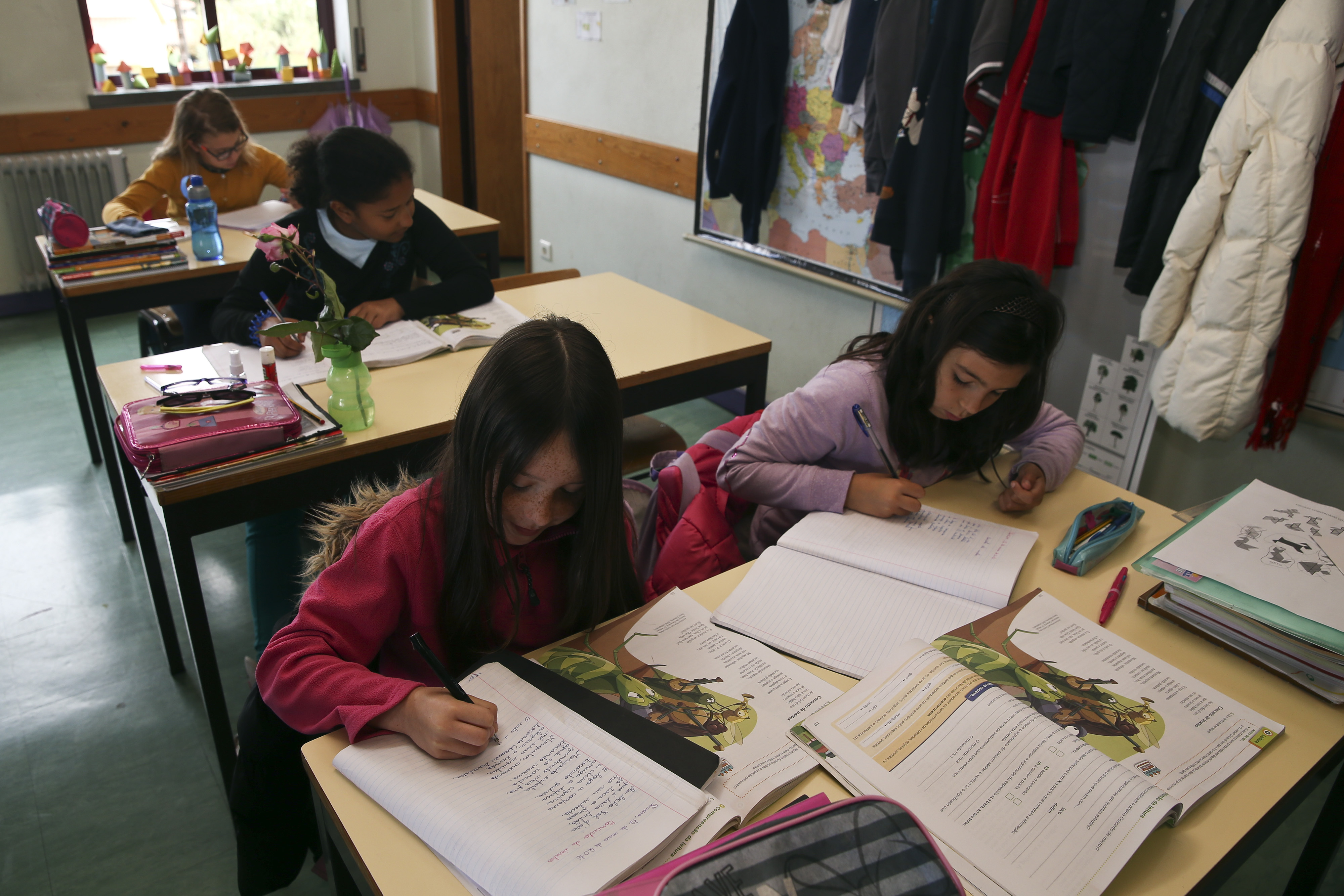Associação da diáspora discute ensino do português e angaria apoios financeiros em Portugal