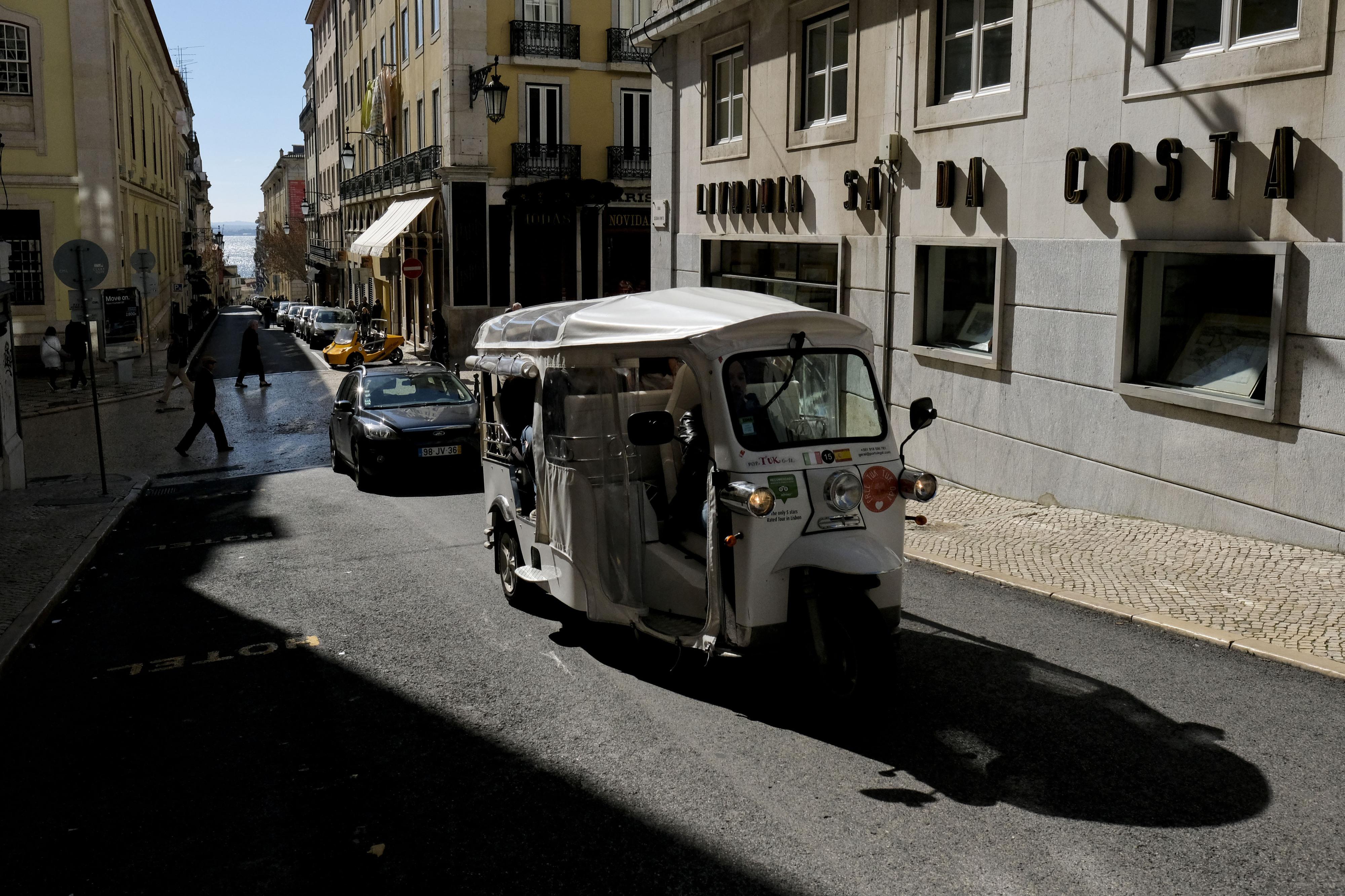 APECATE estima que 50% dos 'tuk-tuk' que circulam em Lisboa já são elétricos