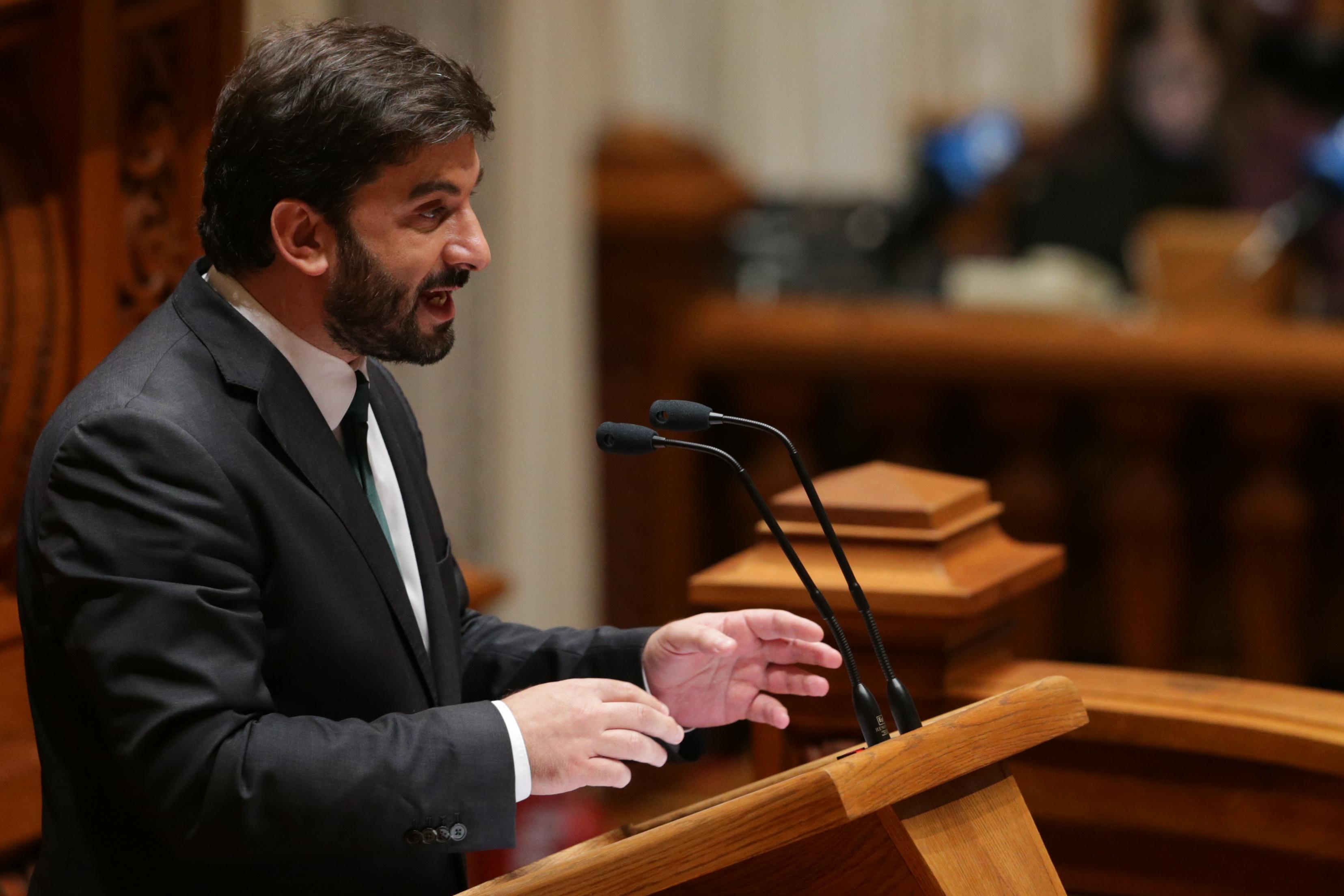 """Ministro da Educação contesta que 2.º ciclo tenha impacto na """"cultura"""" do chumbo"""