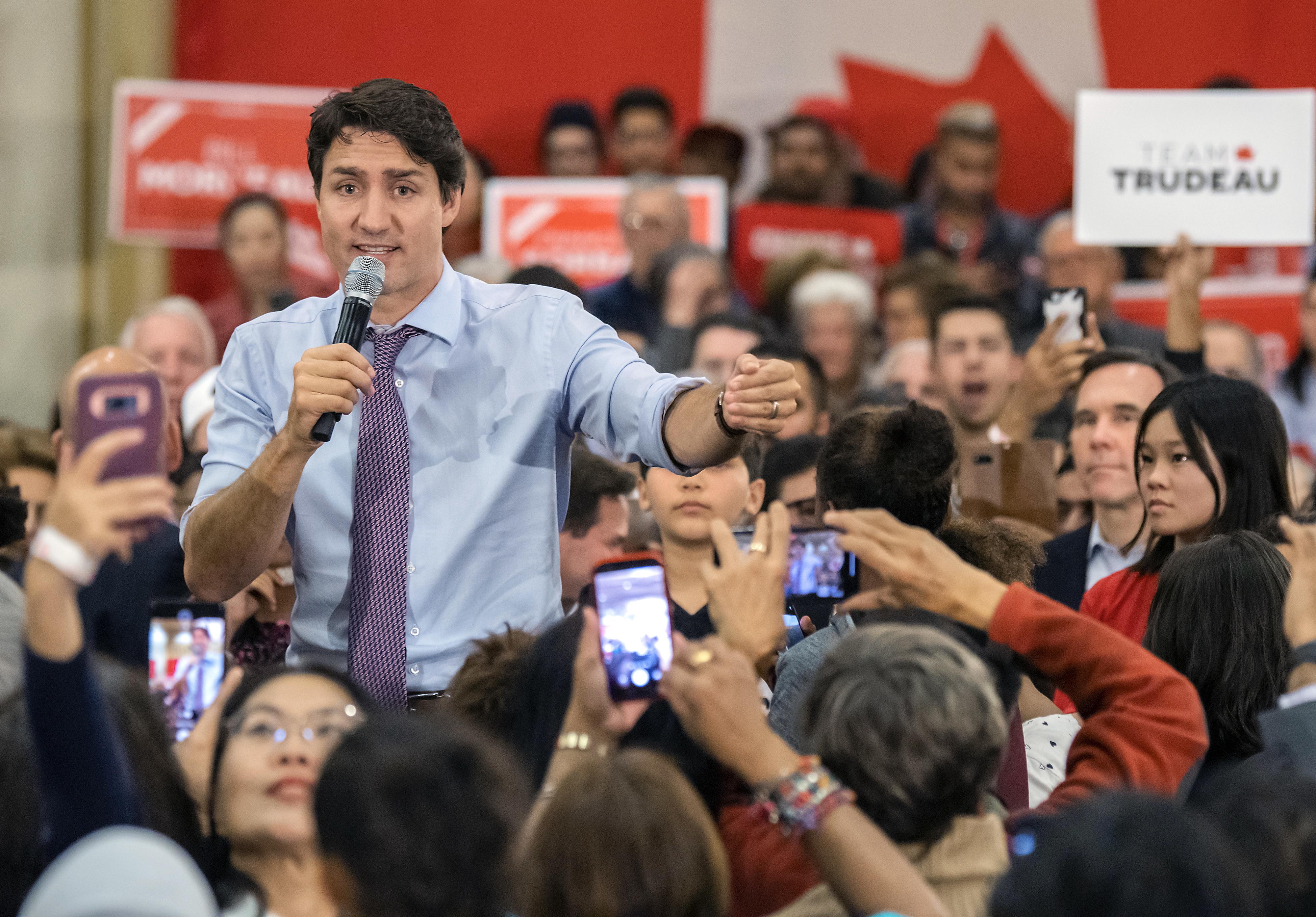 Projeções apontam para vitória do Partido Liberal nas eleições no Canadá, sem repetir maioria absoluta